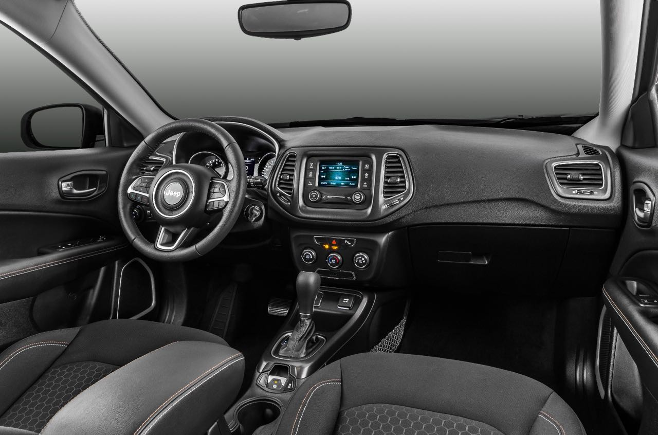 Jeep_Compass_Sport_2017.jpg