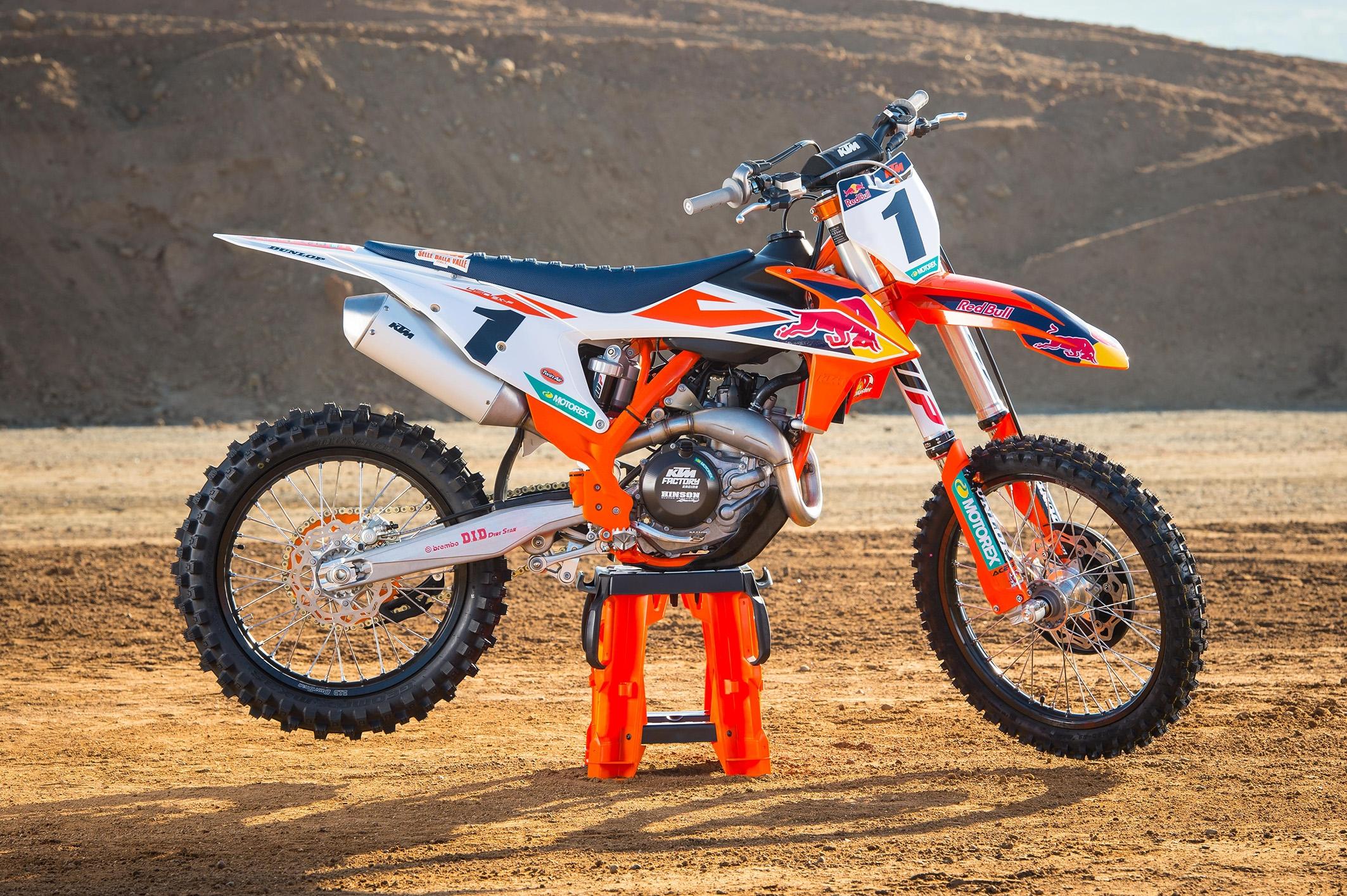 KTM 450 SX-F Factory Edition 2021   Motociclo