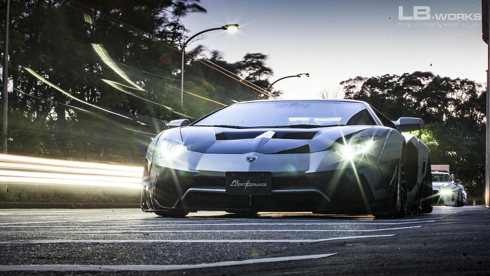 Lamborghini Aventador Liberty Walk