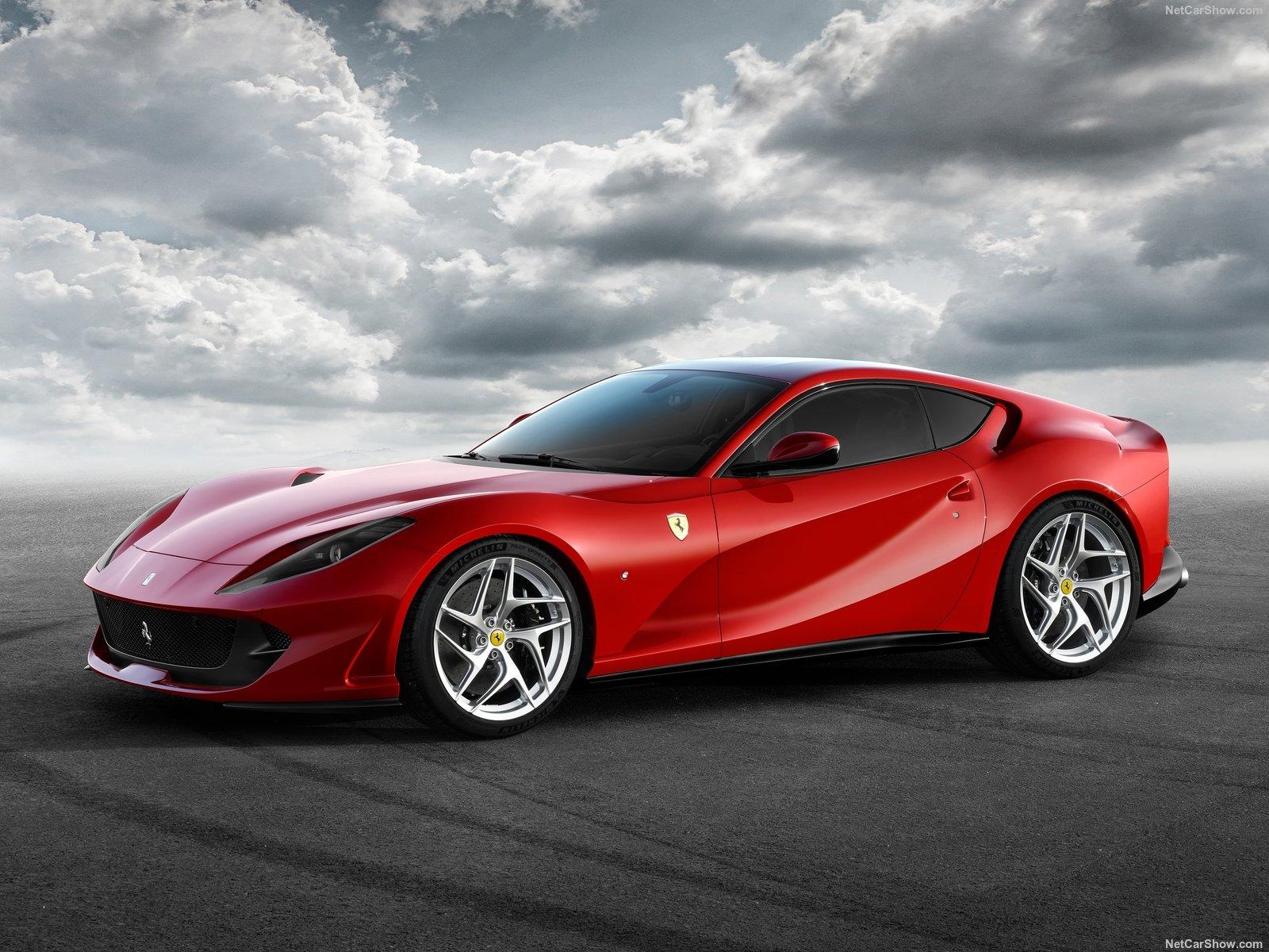 Ferrari 812 Superfast é a mais cara da marca italiana vendida no Brasil atualmente