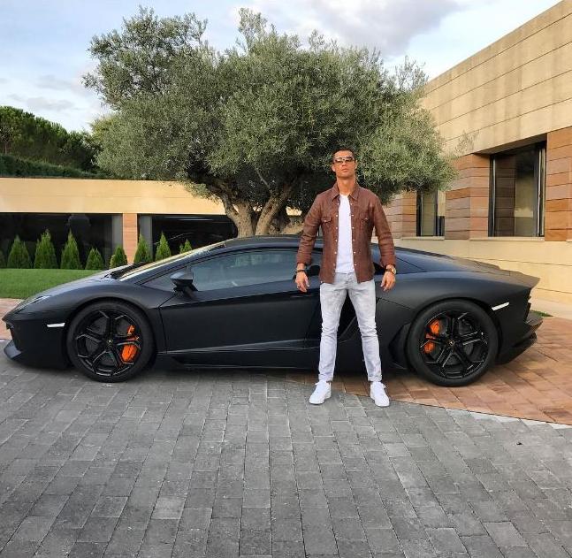 Cristiano Ronaldo e sua Lamborghini Aventador