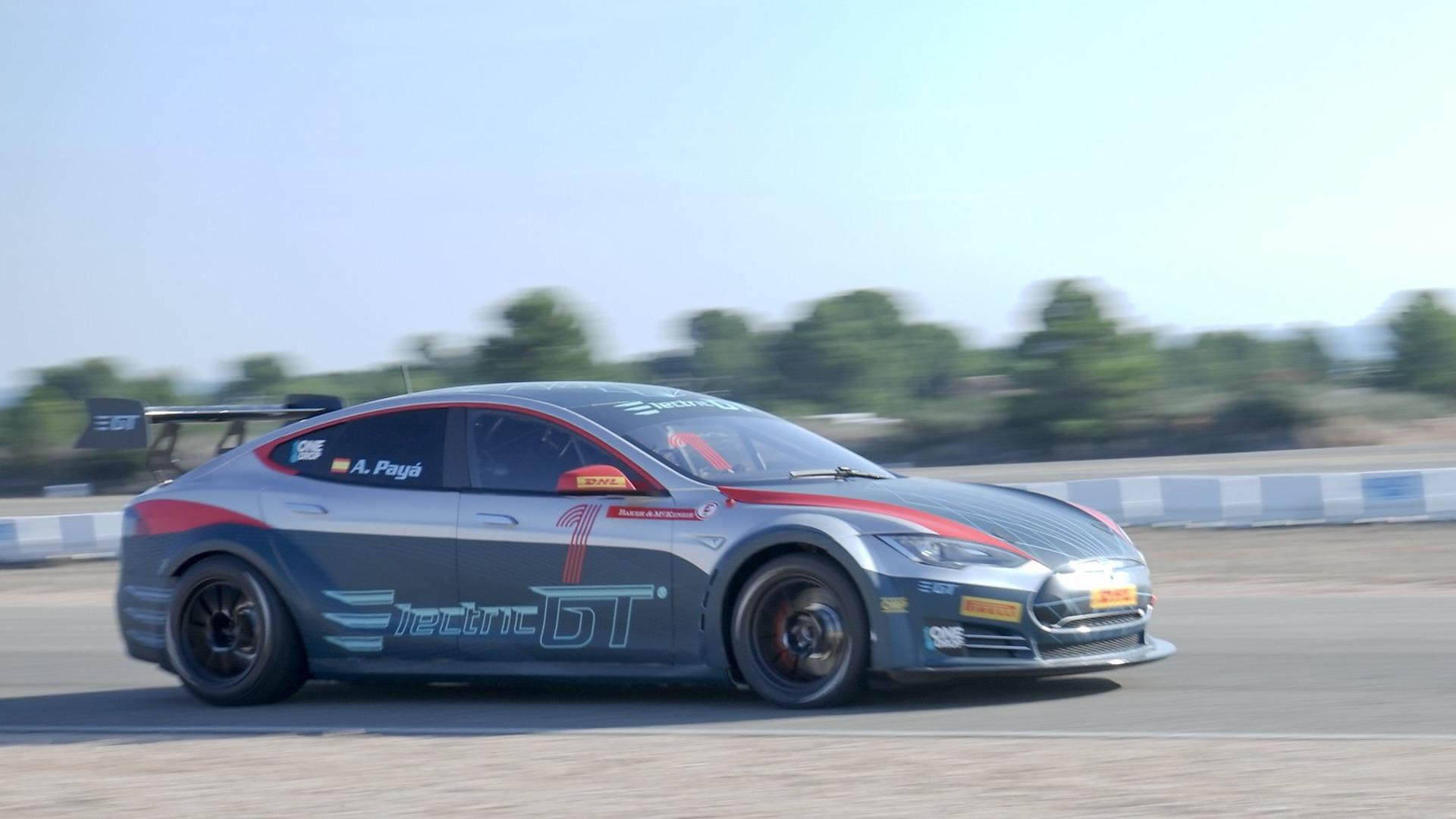 Tesla Model S de corrida