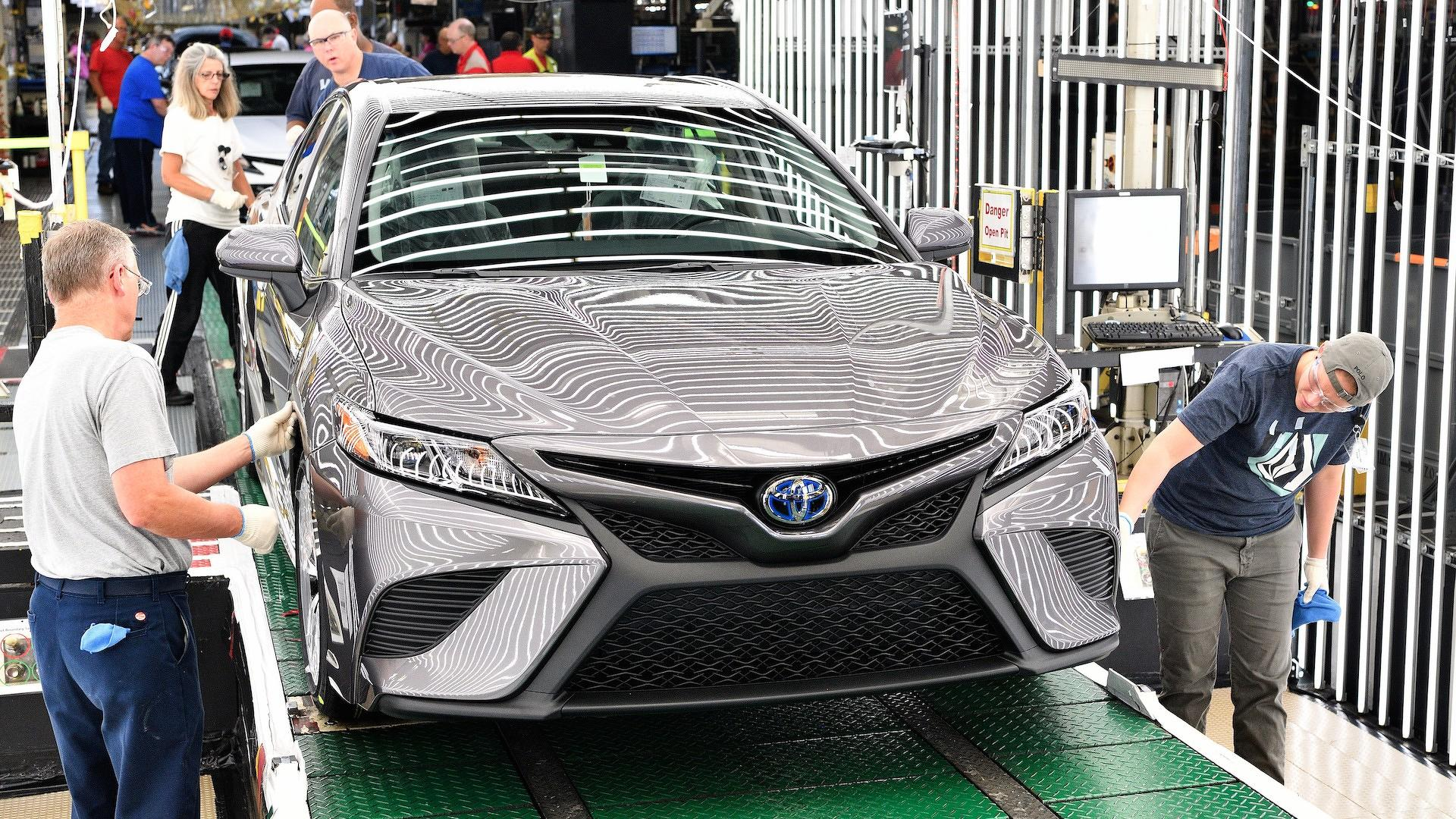 2018-toyota-camry-production_2