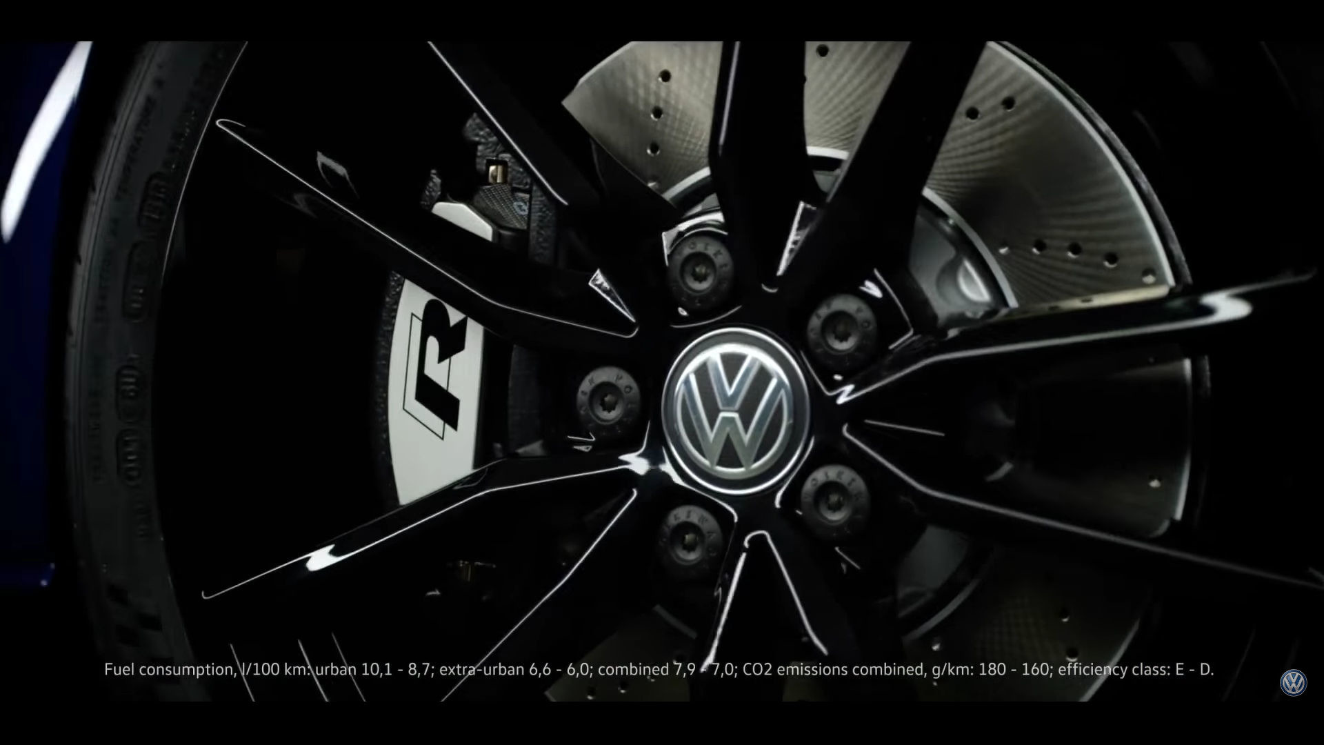 vw-golf-r-with-performance-package_7