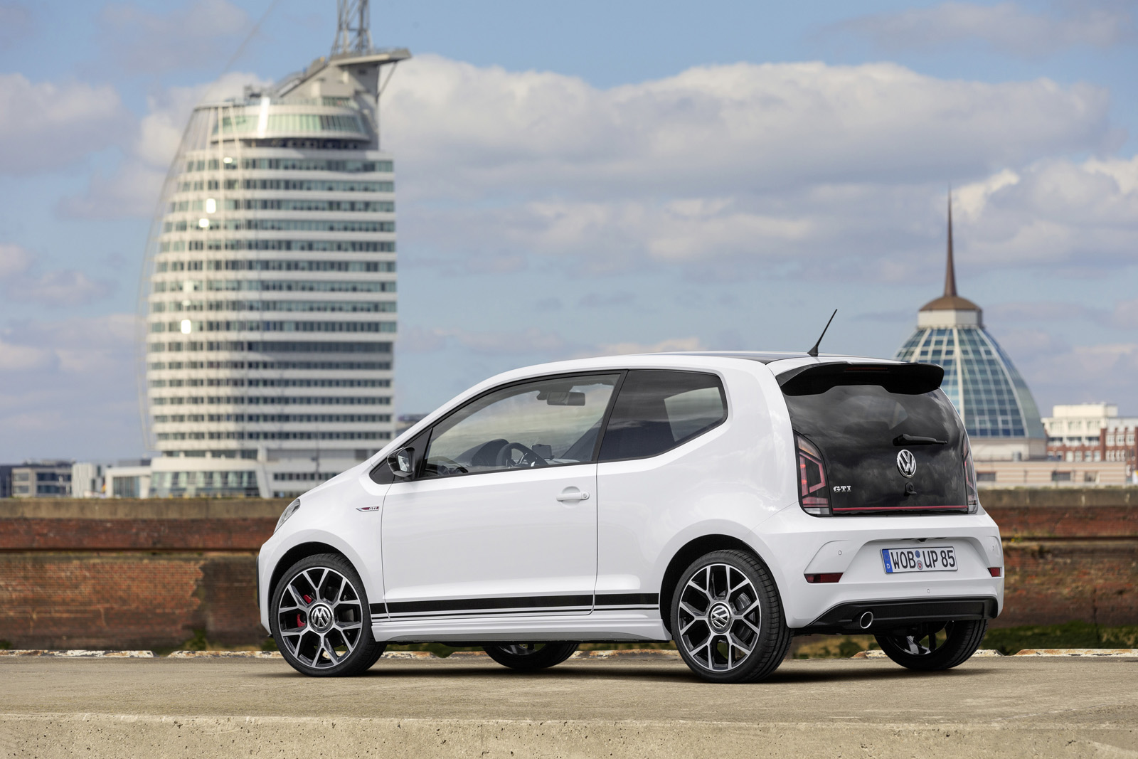 vw up gti traseira