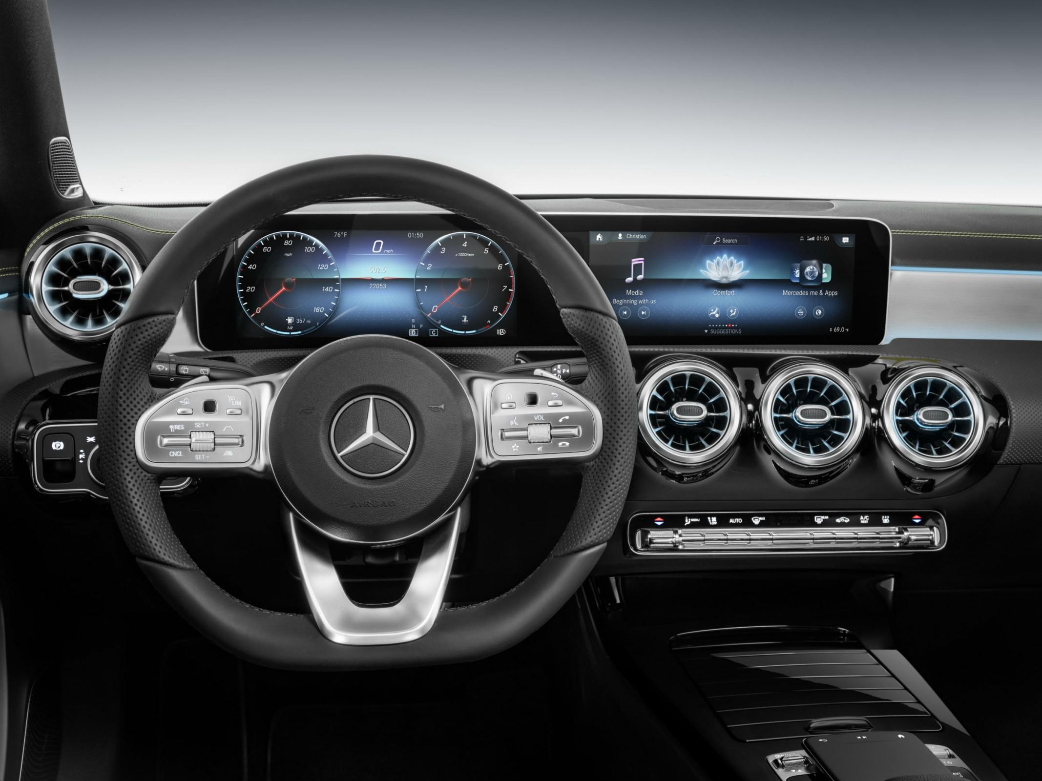 Mercedes-Benz User Experience