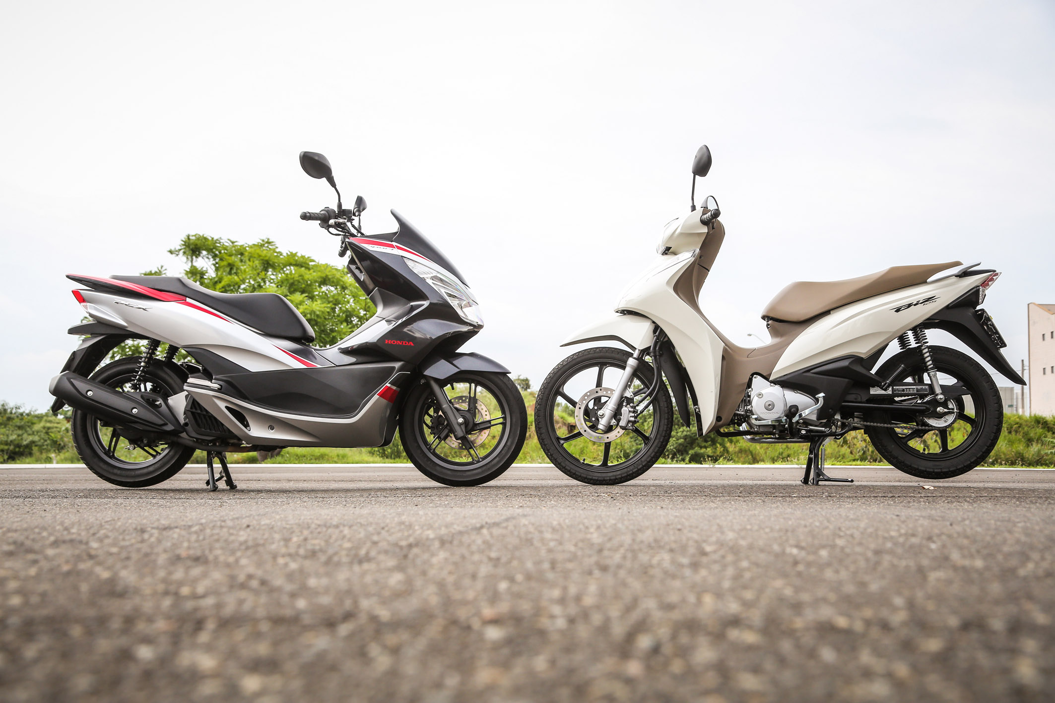 Honda PCX  x Honda Biz 2018