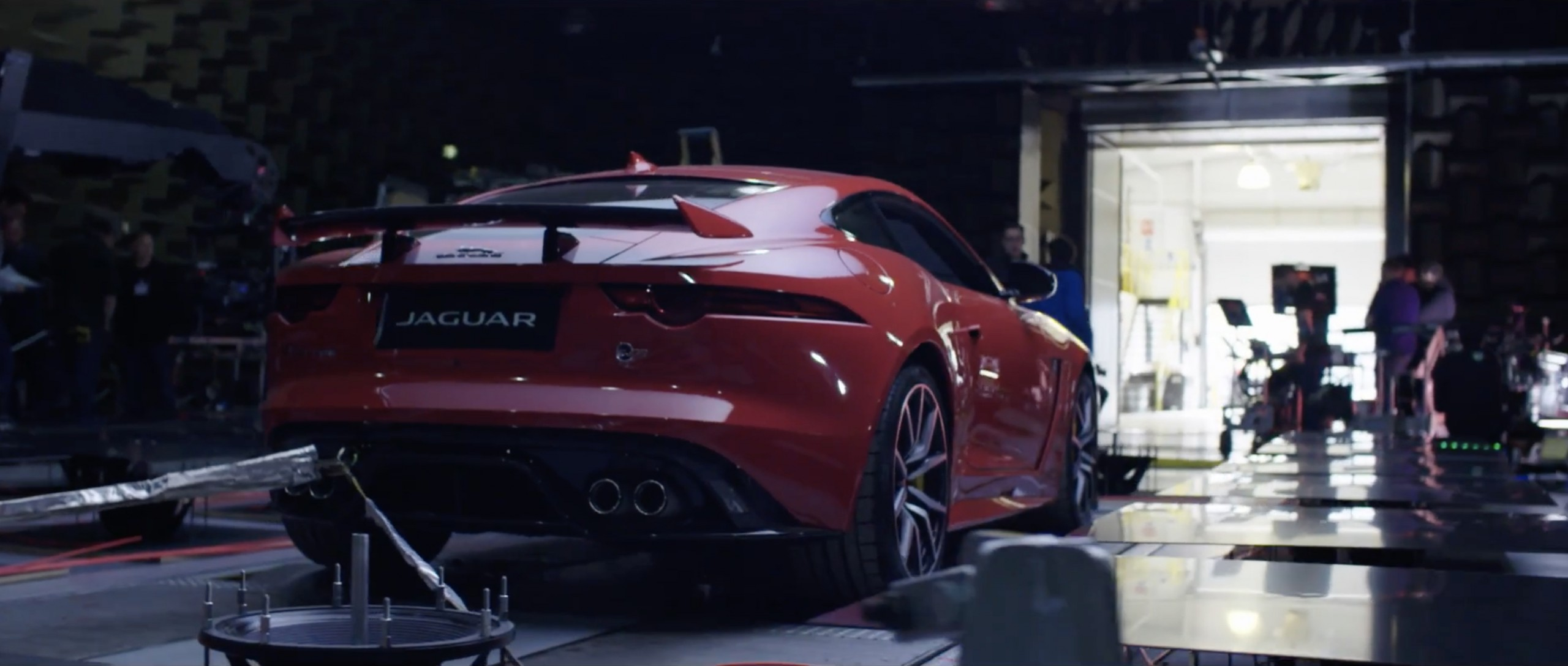 jaguar f-type SVR som cimática