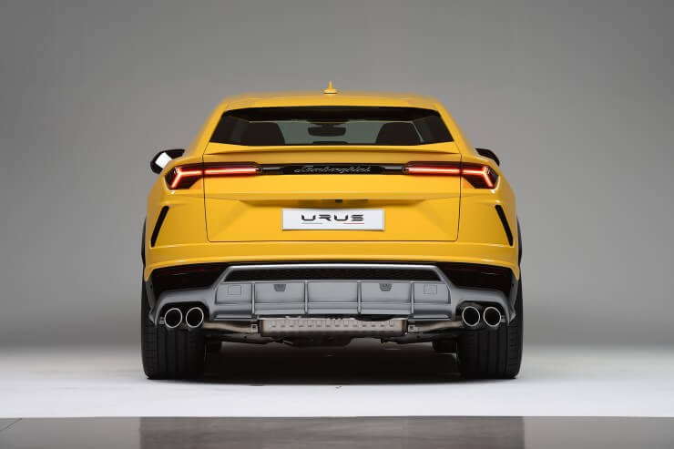 2018 Lamborghini Urus Yellow Rear View1