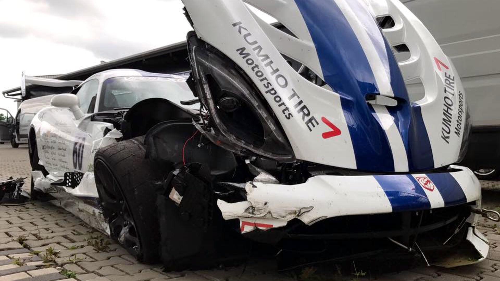 Viper ACR Nurburgring crash acidente batida