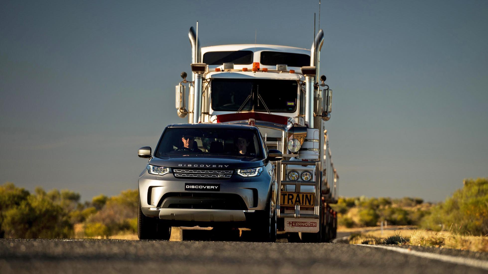 Land Rover Discovery reboca caminhao australia 2017