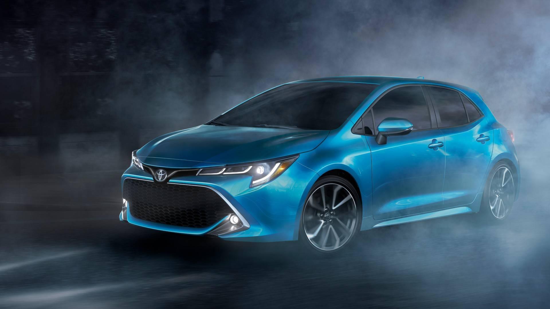 Nova geração do <strong>Toyota Corolla Hatchback</strong> compartilha plataforma com o Prius