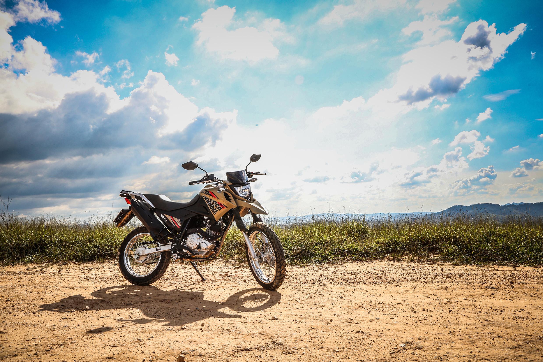 Yamaha XTZ 150 Crosser Z custa R$ 11.490 - R$ 200 a mais do que a versão S, com paralama baixo