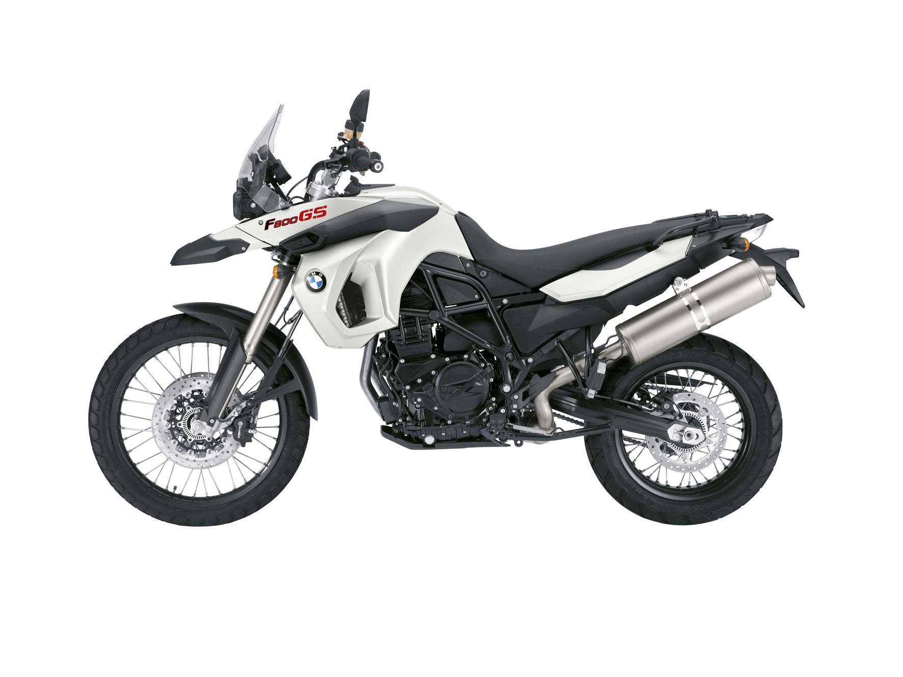 A <strong>BMW F800 GS</strong> é uma moto alta, seu banco está a 880 mm do solo, o que exige perícia do piloto