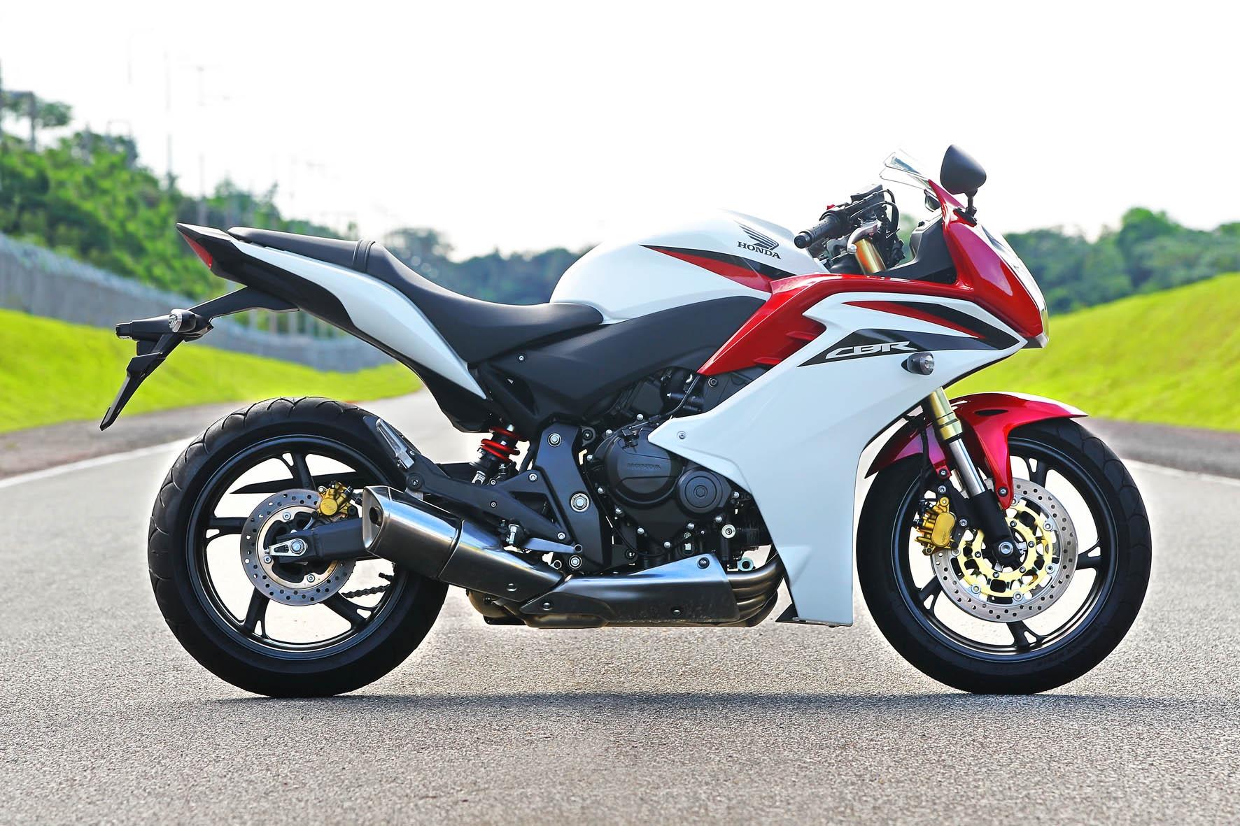 Com mecânica da Hornet, a Honda CBR 600F é indicada para quem busca adrenalina