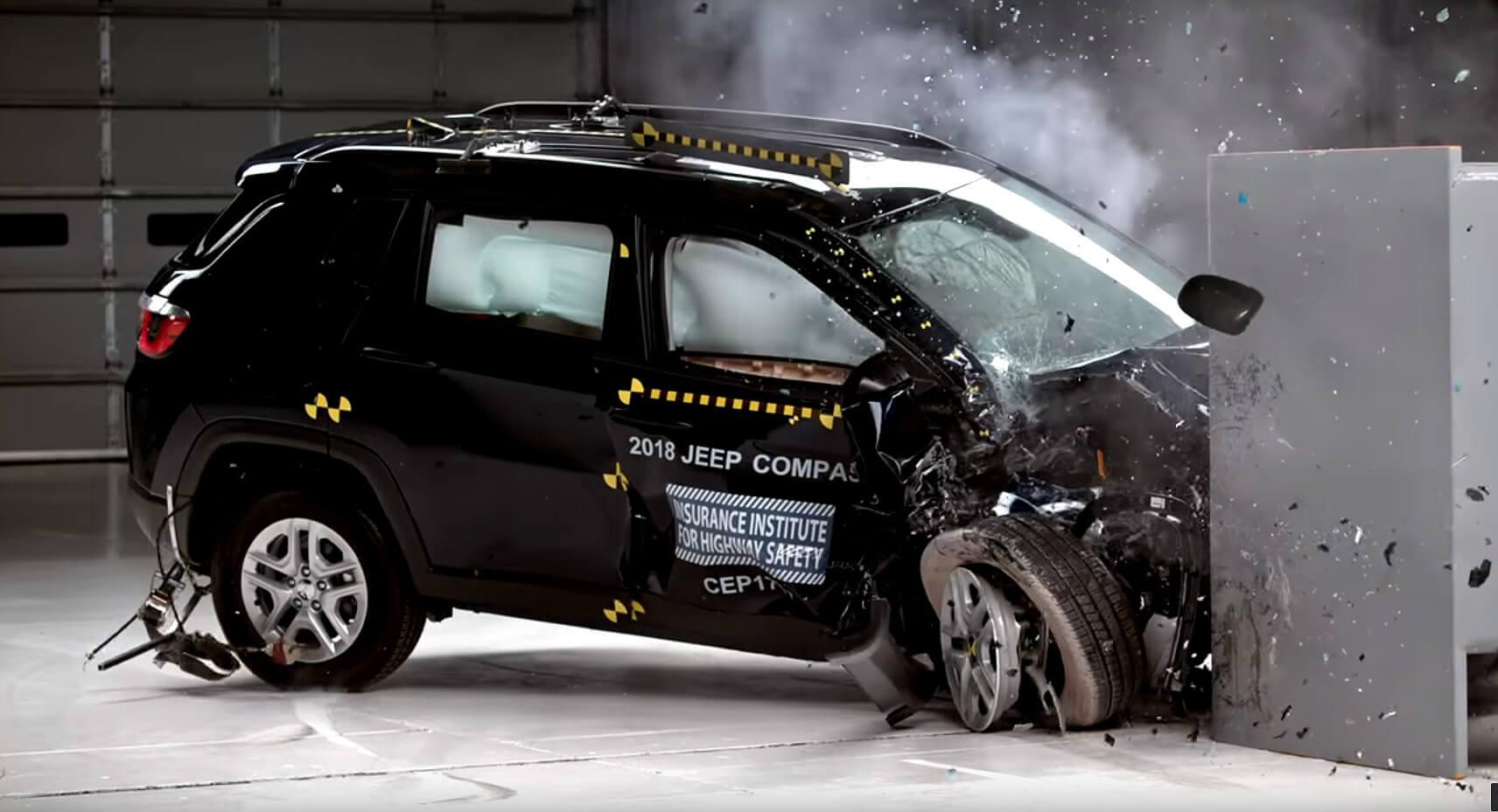 Jeep Compass tem boa nota em crash test nos EUA