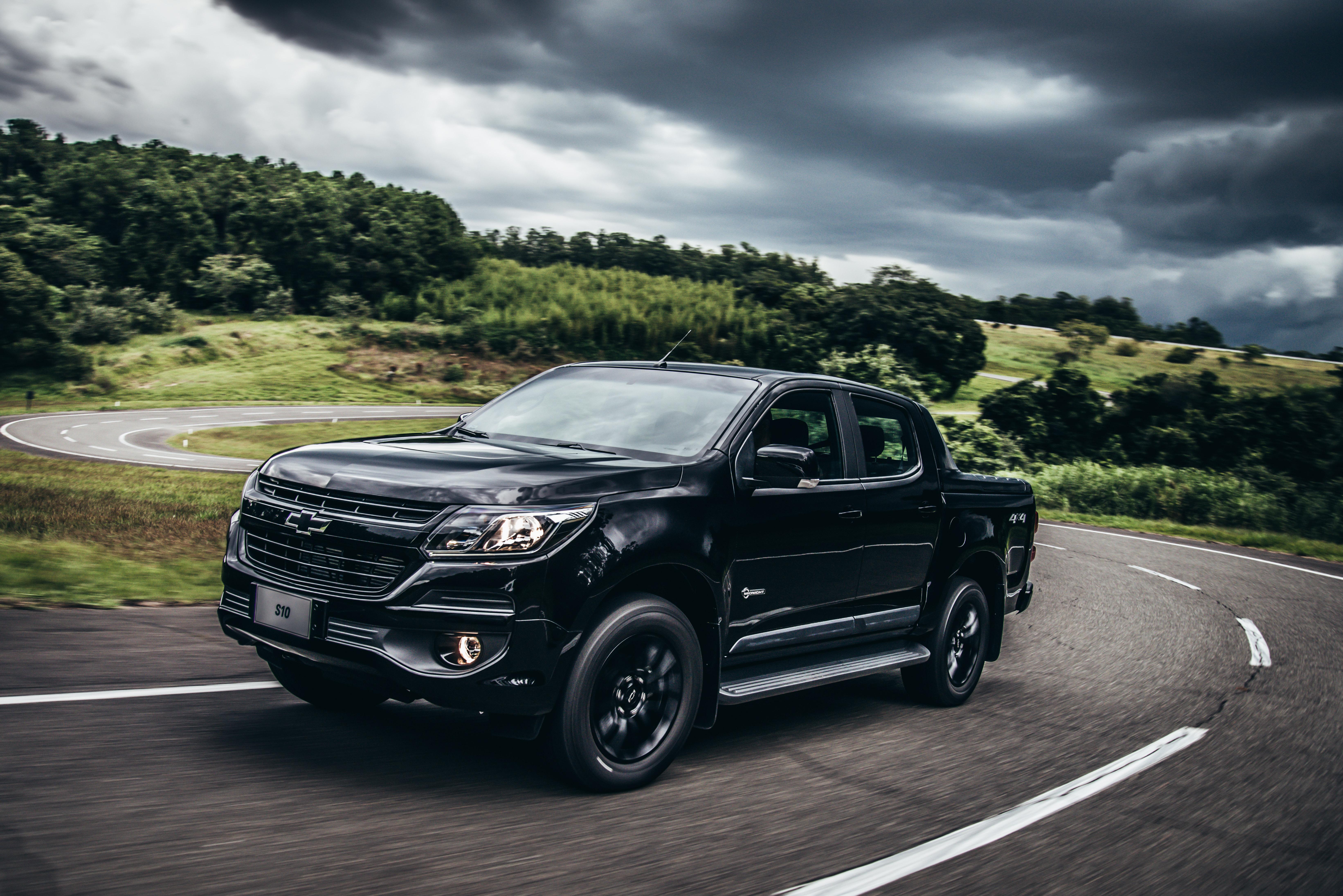 Motor é o 2.8L Turbodiesel de 200 cv; a transmissão automática de seis marchas; e a tração 4x4, com opção de reduzida