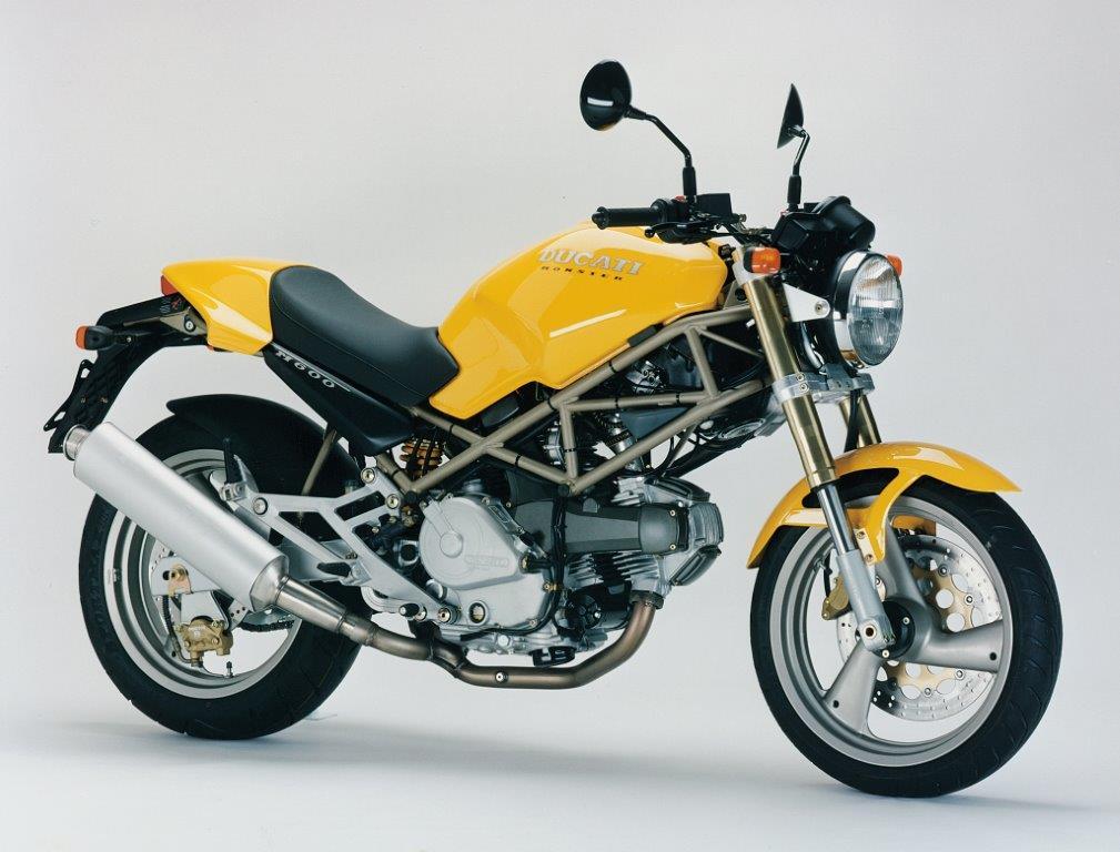 A Monster 600 foi criada em 1994 para ser mais barata e acessível do que a versão original de 900cc