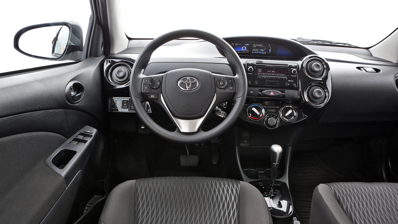 Toyota Etios Sedã X Plus Automático