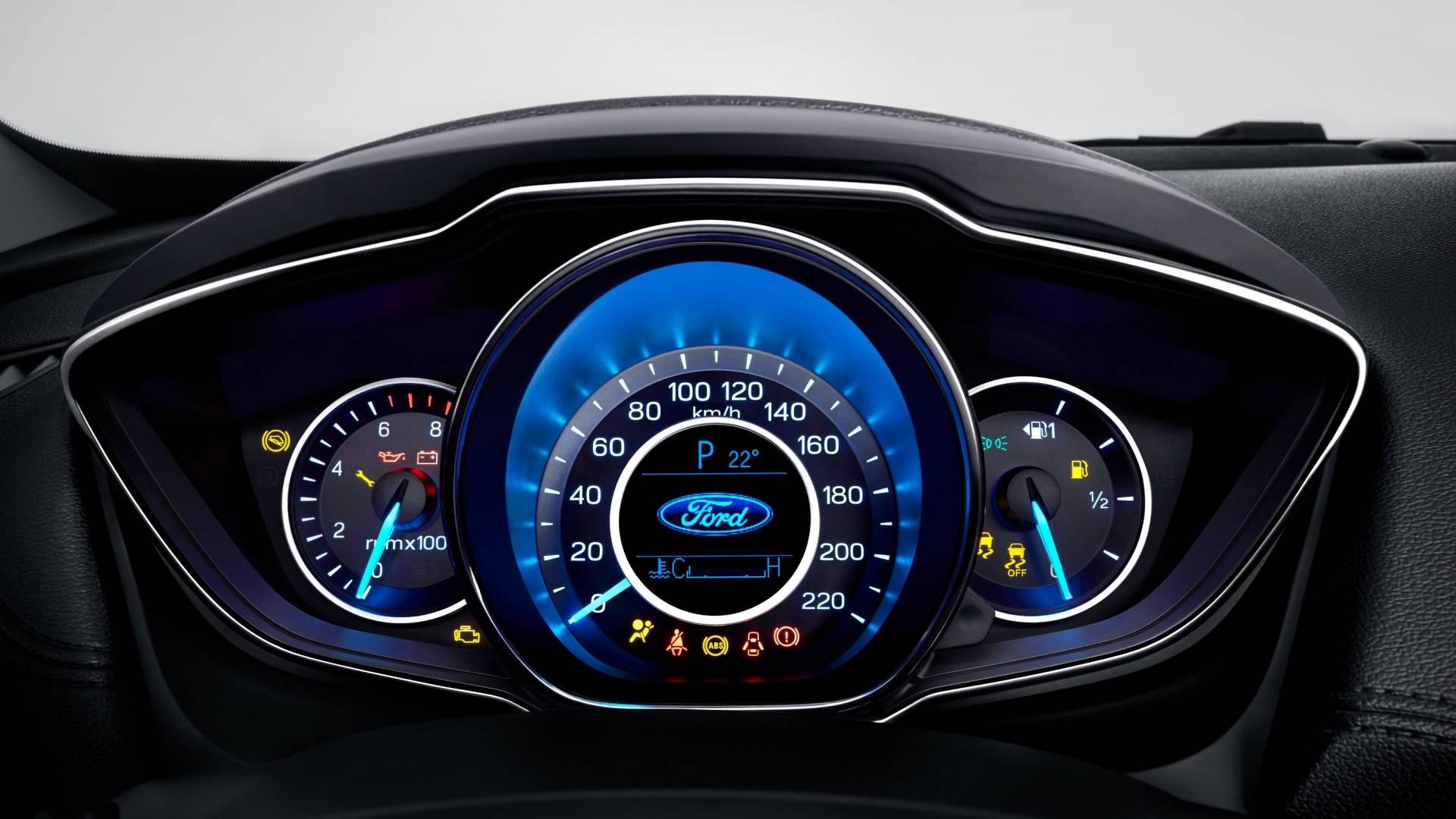 Painel do novo Ford Escort, apresentado na China
