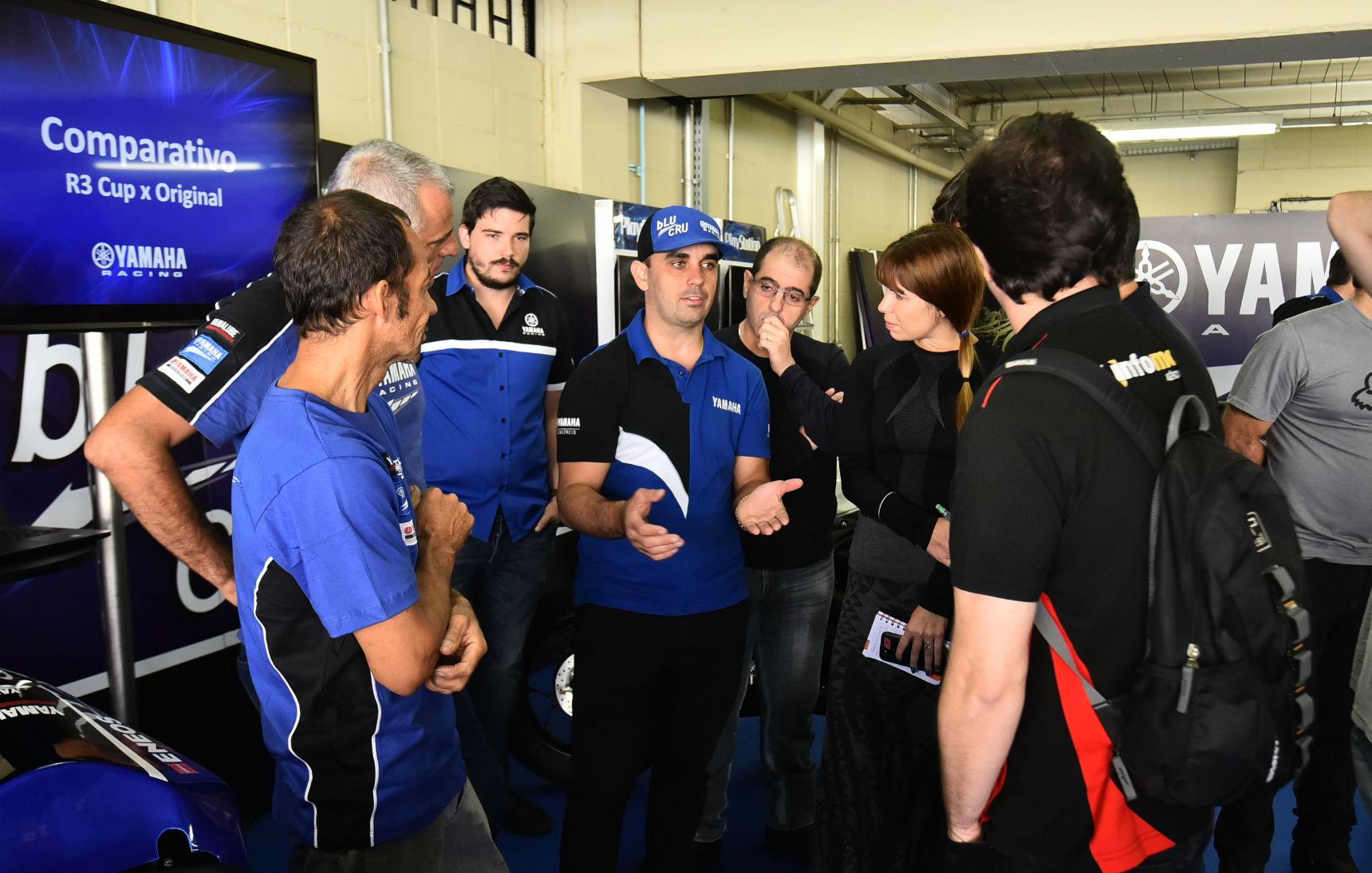 Chefe de equipe do Team PlayStation Yamaha Racing, Alan Douglas