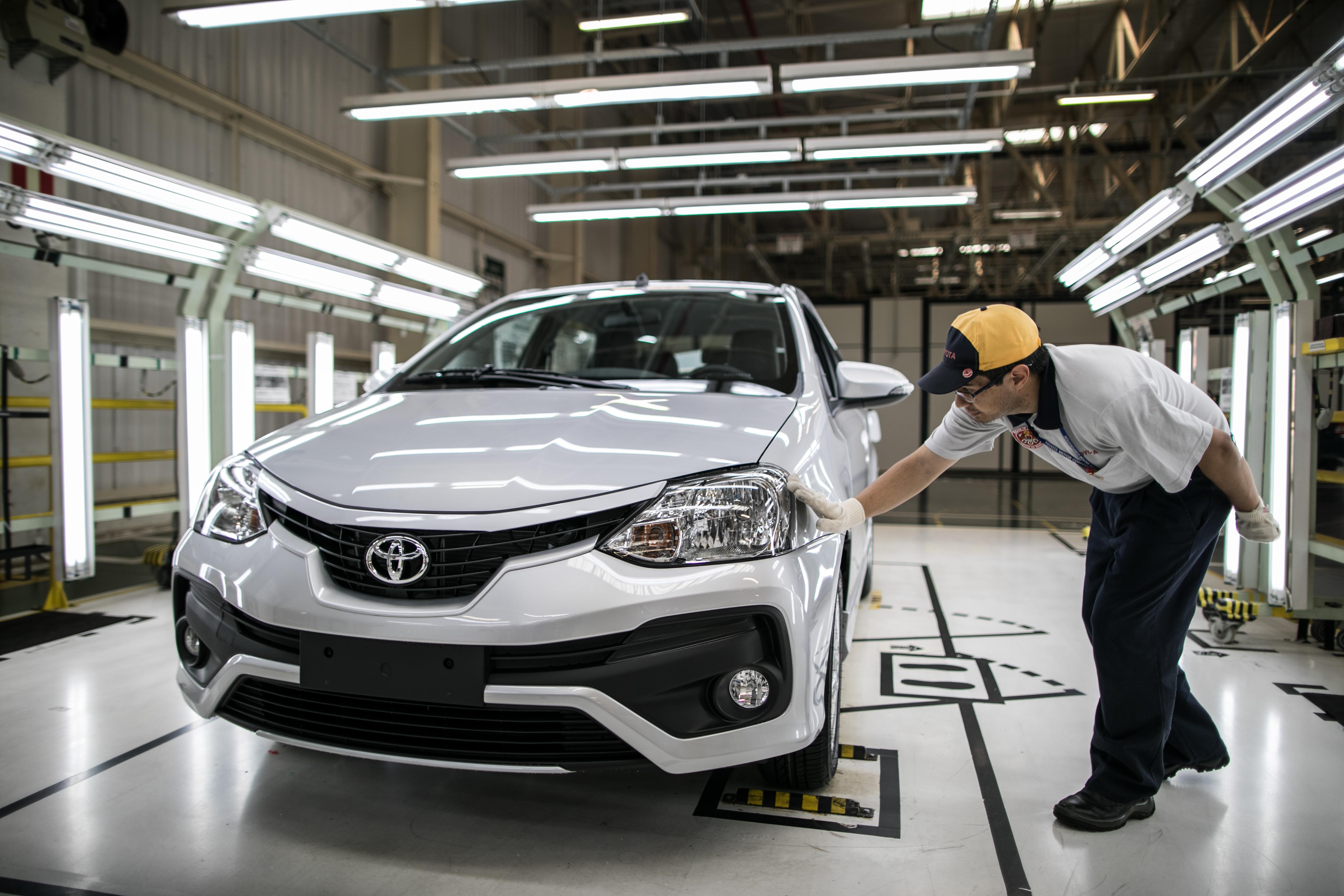 Linha de produção do Toyota Etios em Sorocaba - SP