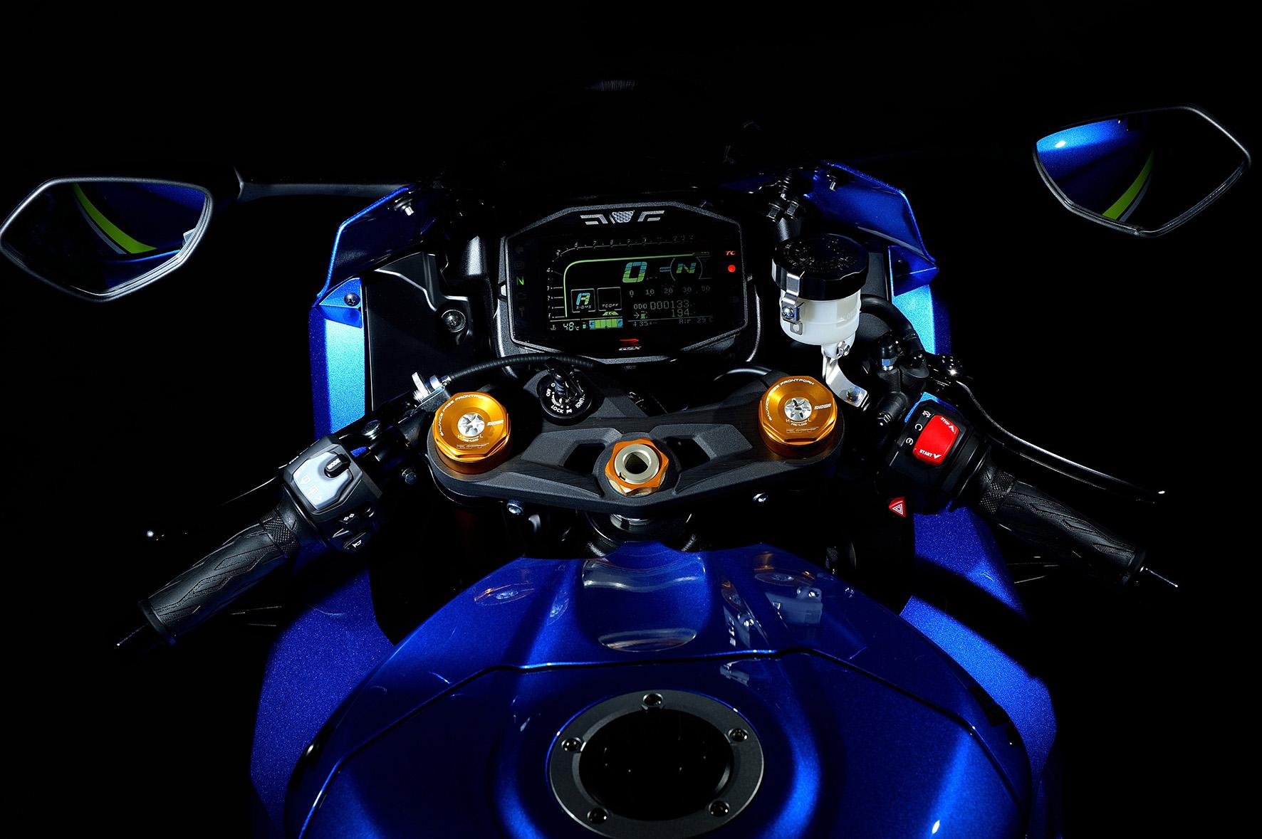 Detalhe do painel digital da nova Suzuki GSX-R 1000