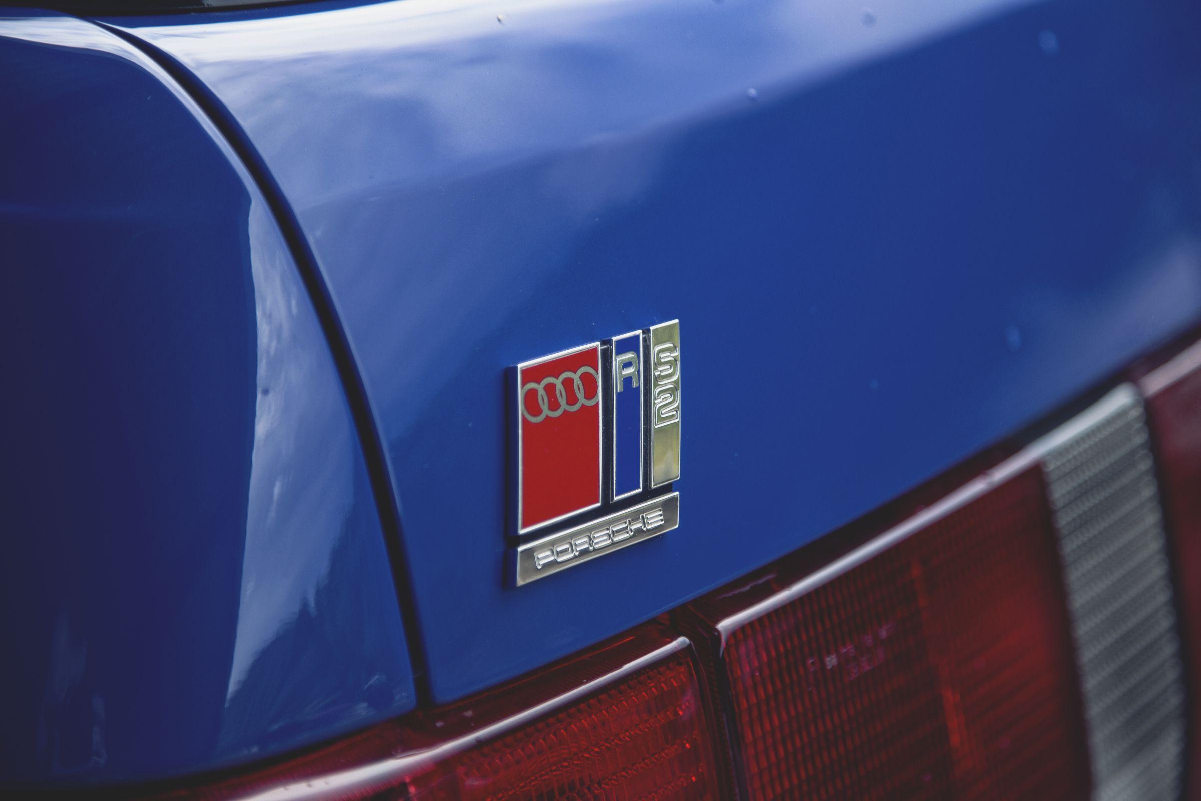 Trata-se do único carro produzido em parceria com a <strong>Porsche</strong>