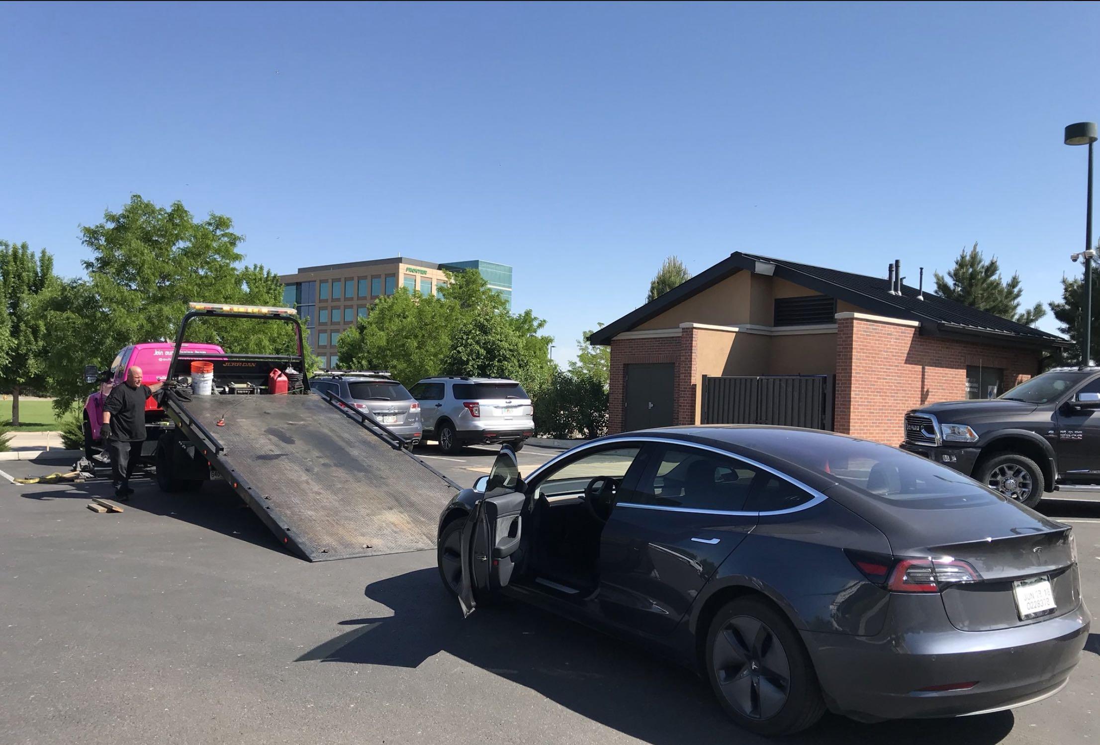 Tesla Model 3 recorde distância percorrida Sean Mitchell Denver (EUA)