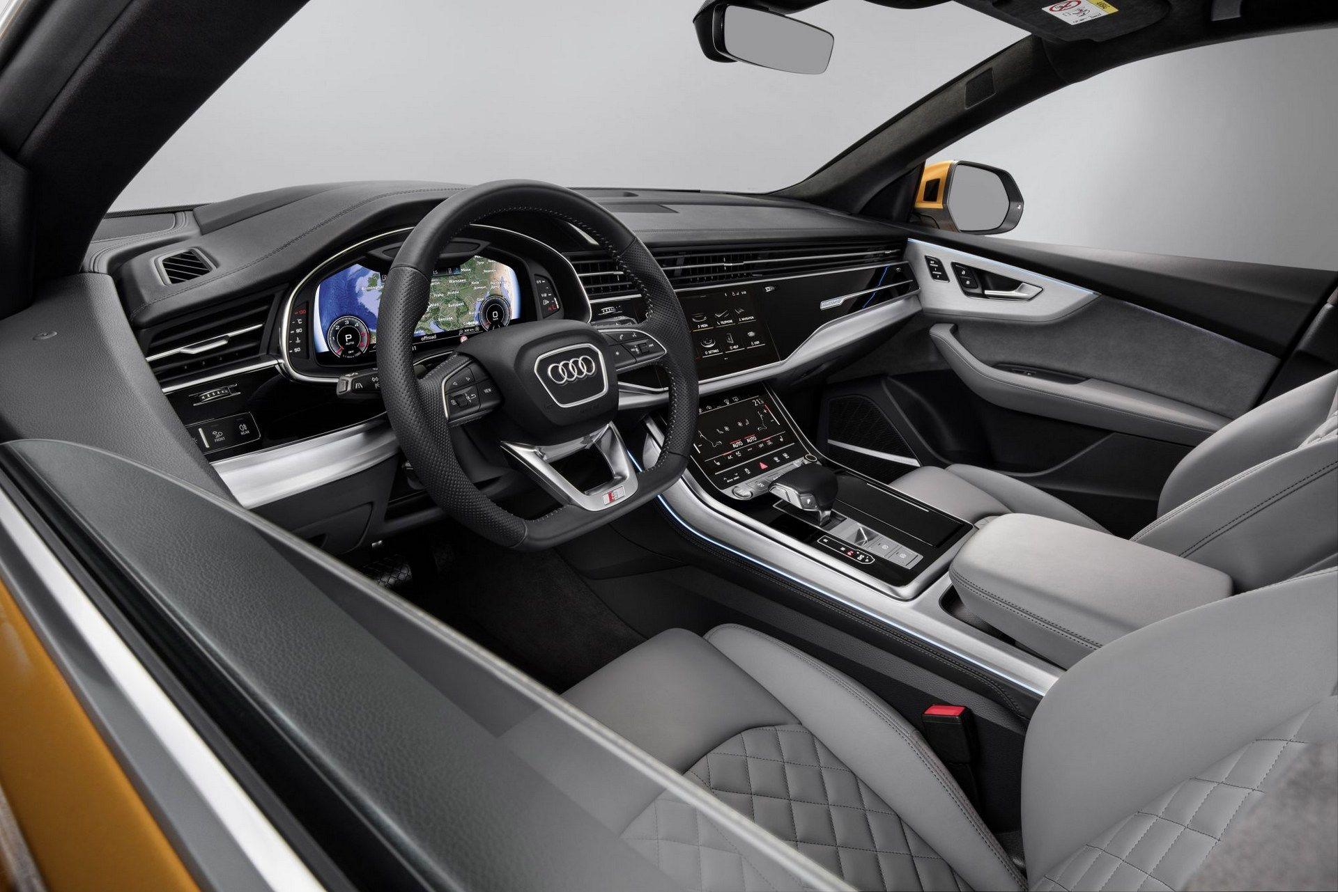 Interior do SUV é refinado