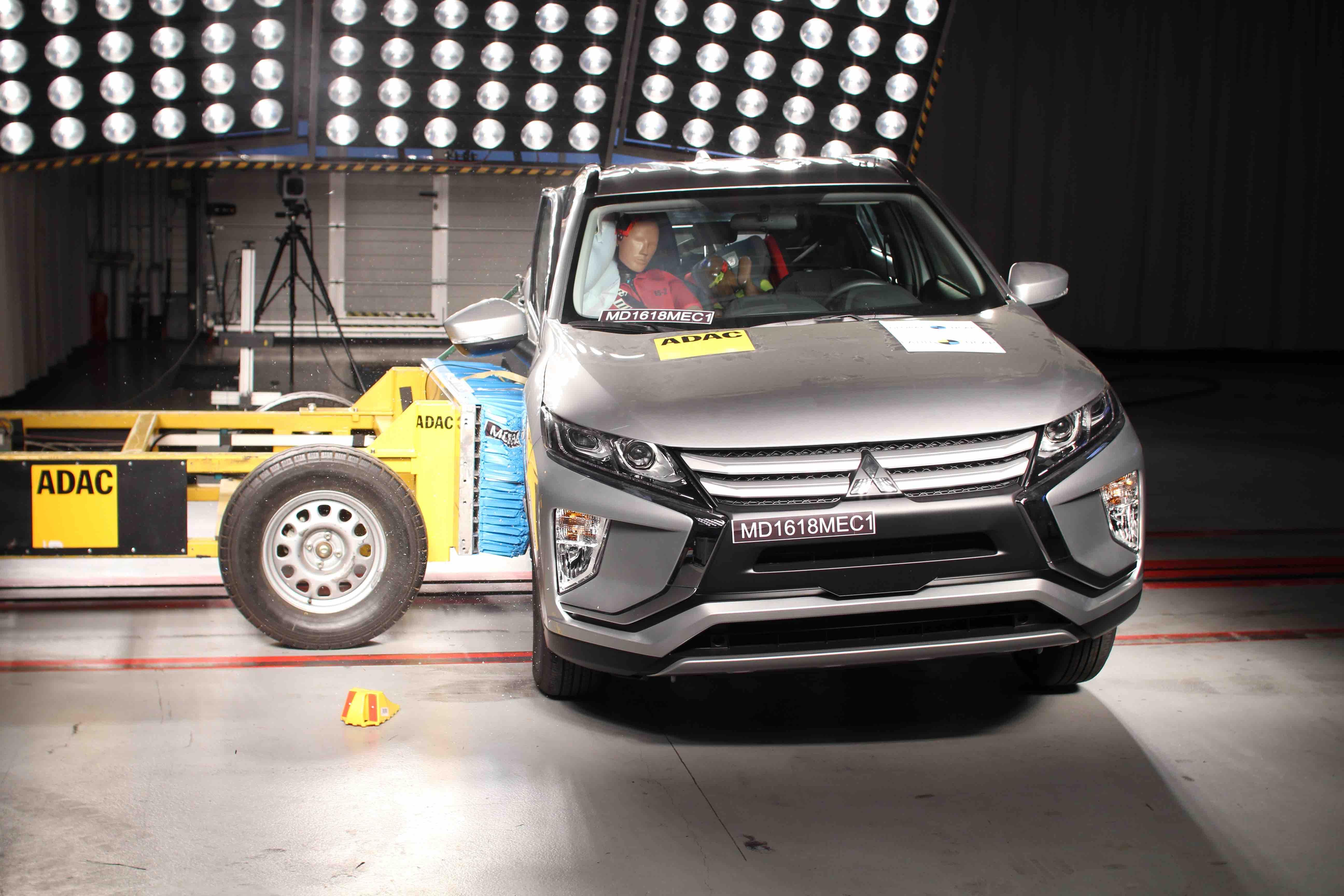 Latin NCAP 12 junho 2018 teste Renault Logan Sandero Mitsubishi Eclipse Cross