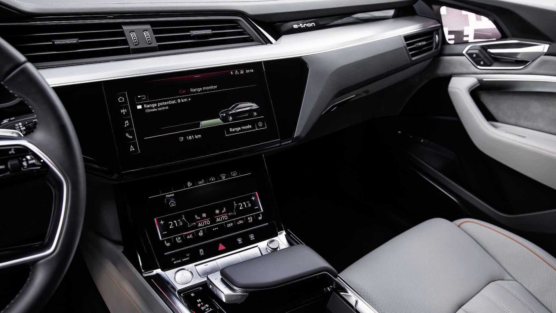 Console central do Audi e-tron é dividido em duas telas de alta resolução