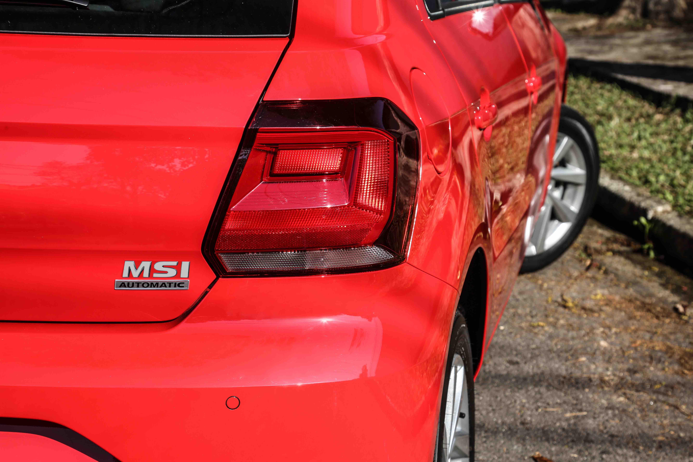 Emblema na traseira de VW Gol e Voyage automáticos informa que eles trocam marchas sozinhos