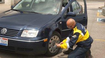 O recomendado é trocar o conjunto de bico, válvula e tampa sempre que for substituir um pneu