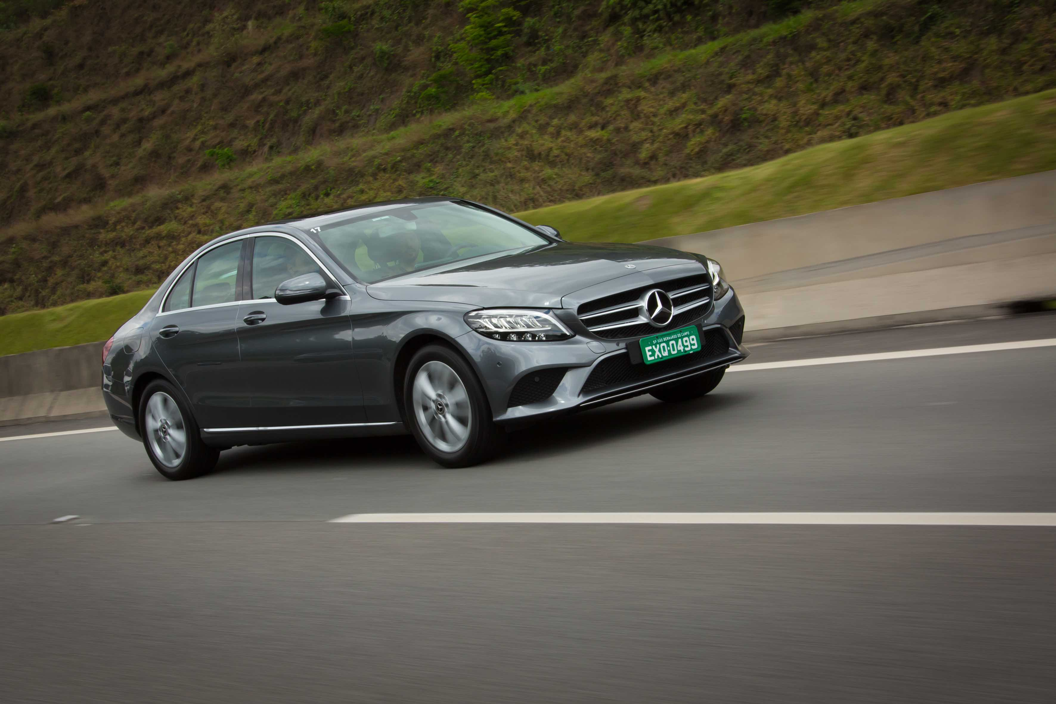 Mercedes-Benz Classe C 2019 versão C 200 EQ Boost