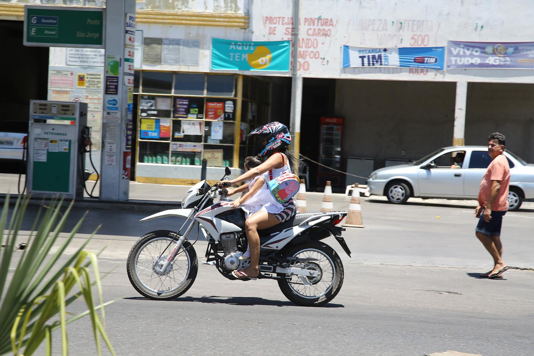 Criança na moto não é brincadeira