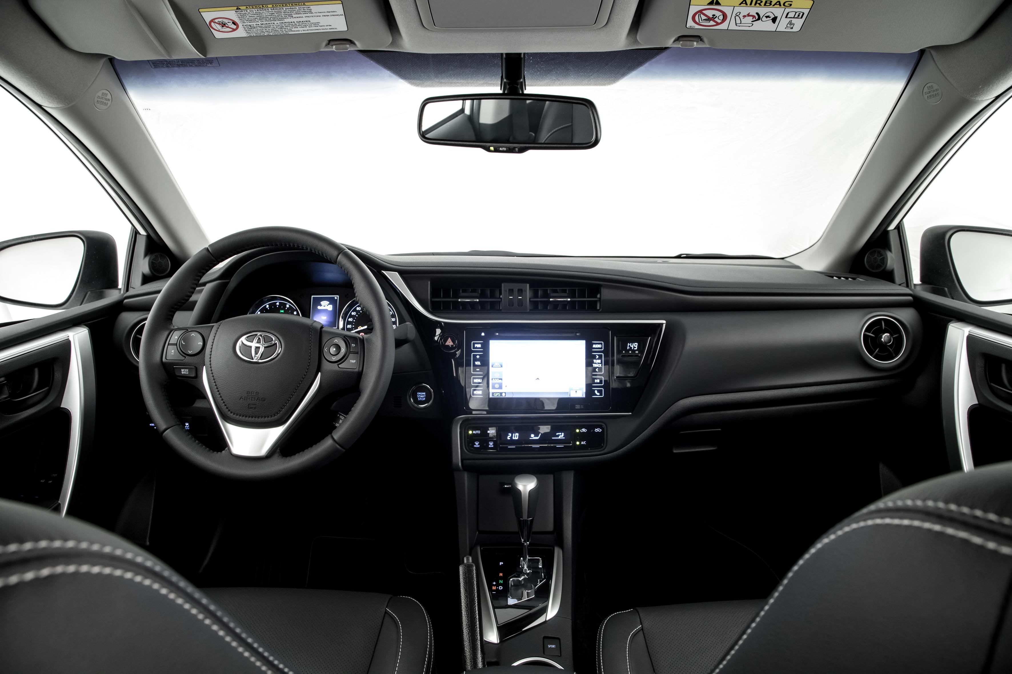 Interior do Corolla 2019 agora é preto