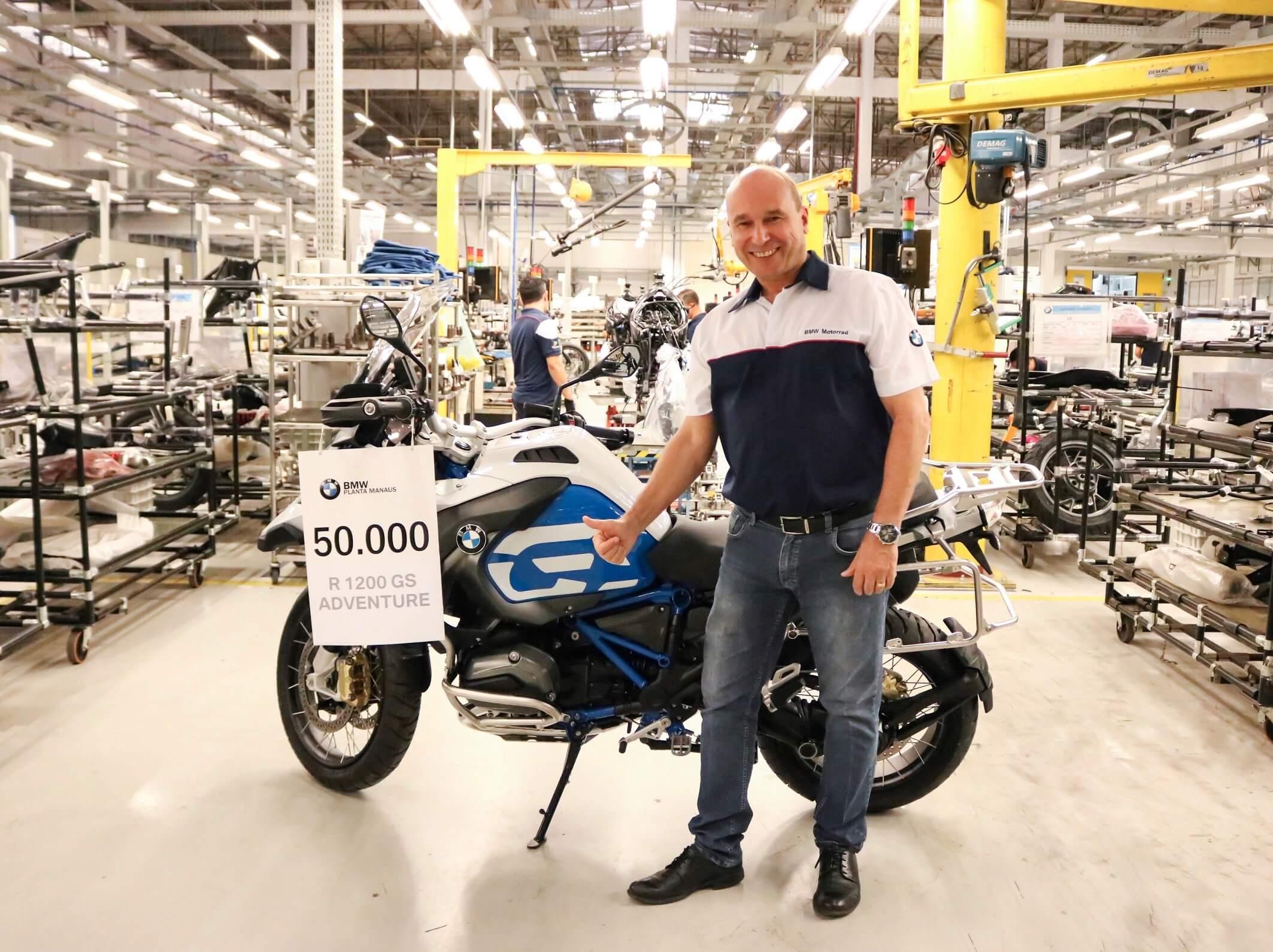 No final de outubro, a BMW comemorou 50 mil motos produzidas no Brasil com uma R 1200GS Adventure