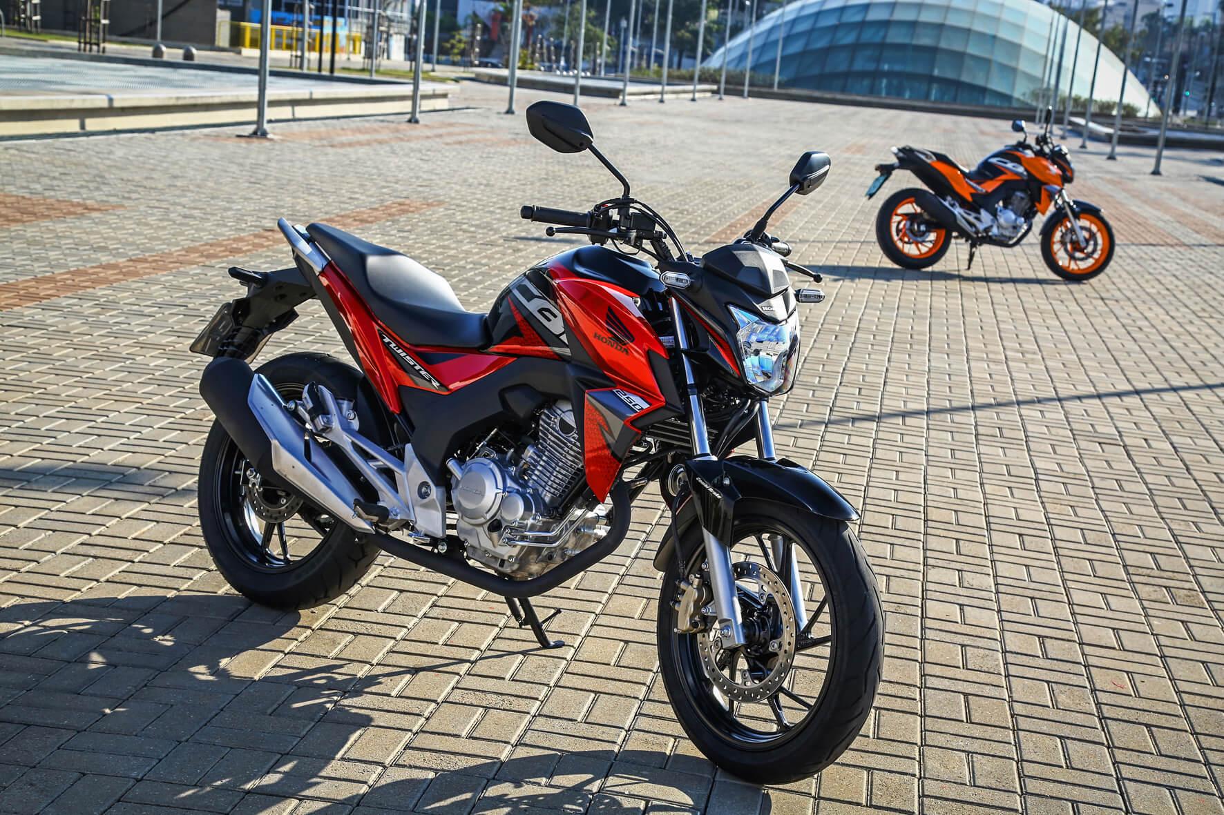 Na lei: motos têm de ter freios mais seguros em 2019; Honda Twister tem freios combinados ou ABS