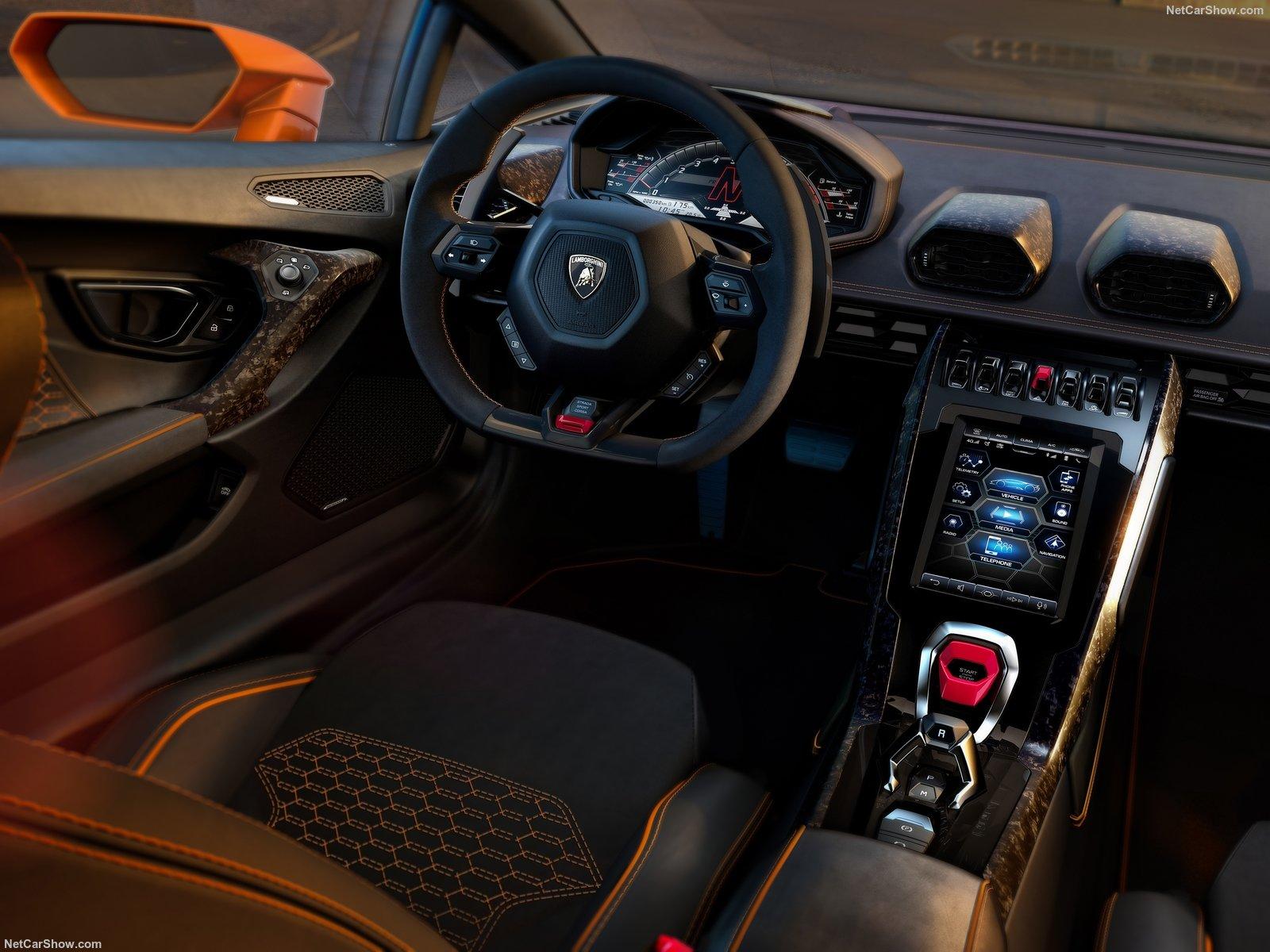 Lamborghini Huracan Evo tem acabamento exemplar