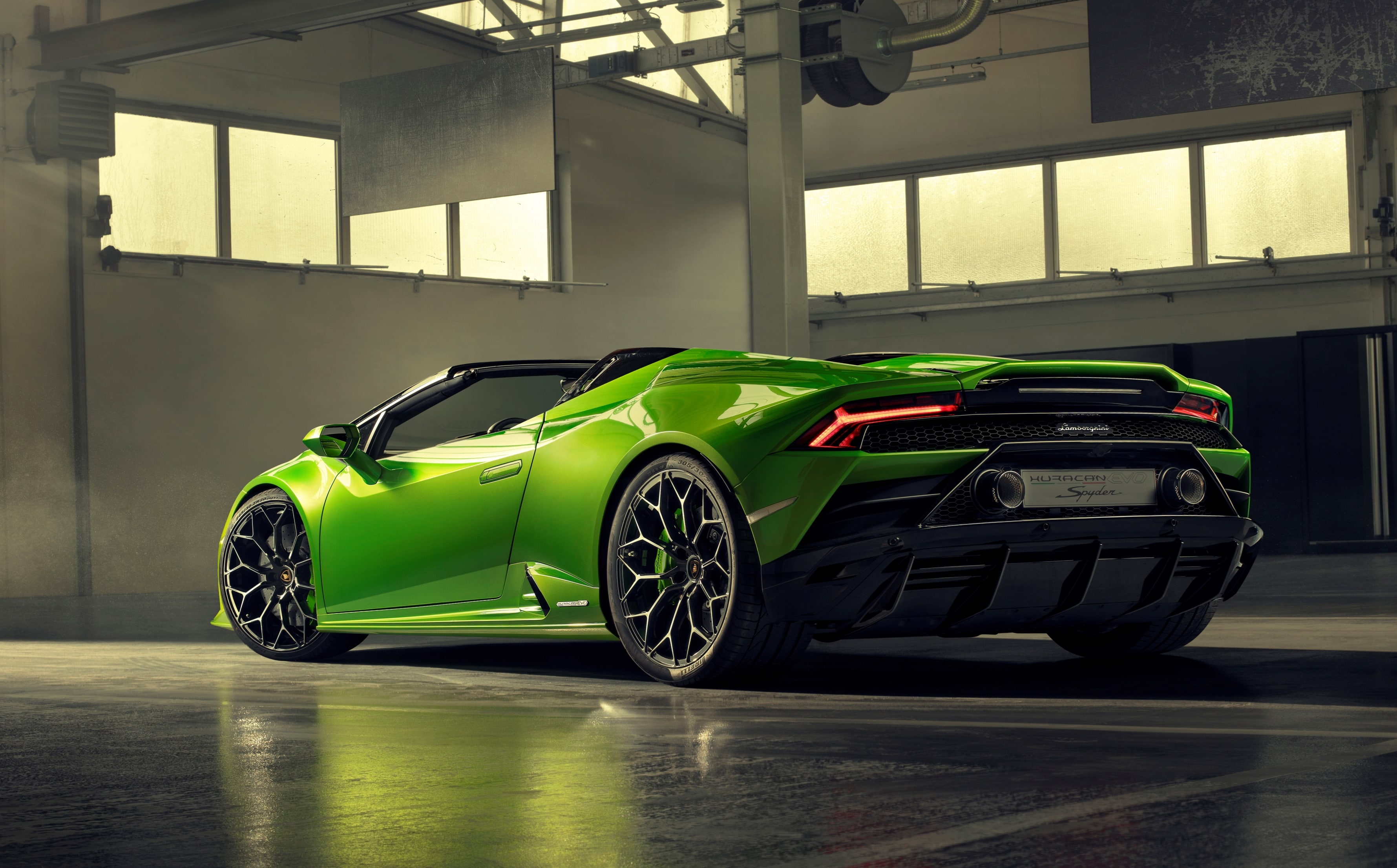 Lamborghini Huracan Evo Spyder 74 Min