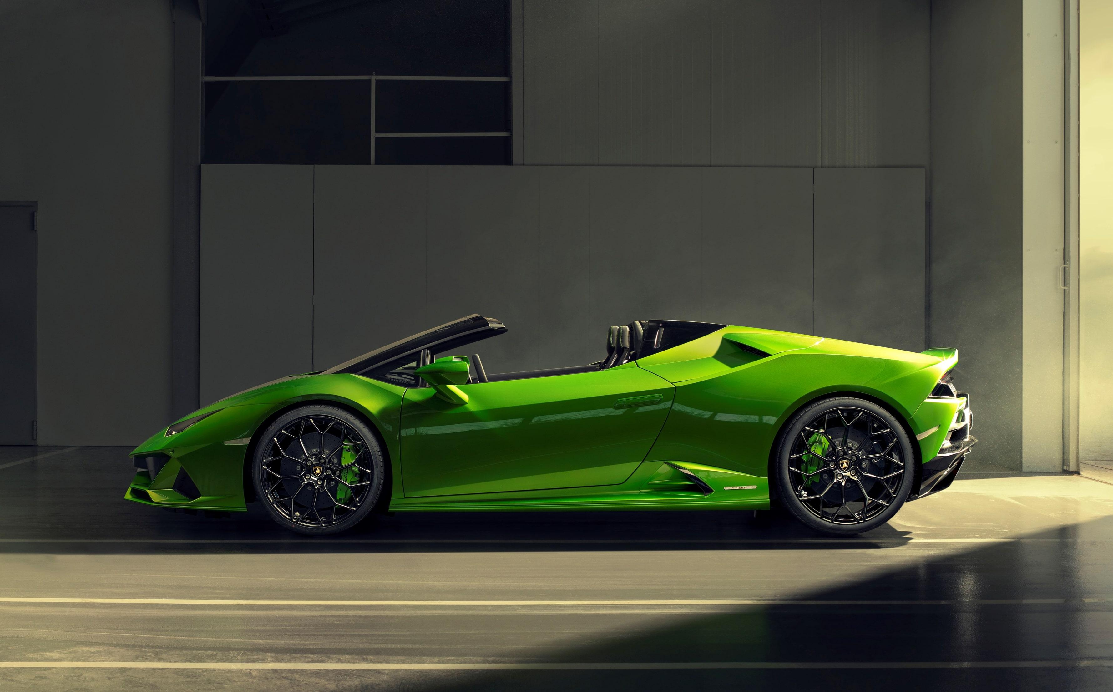 Lamborghini Huracan Evo Spyder O tradicional motor V10 5.2 naturalmente aspirado foi atualizado