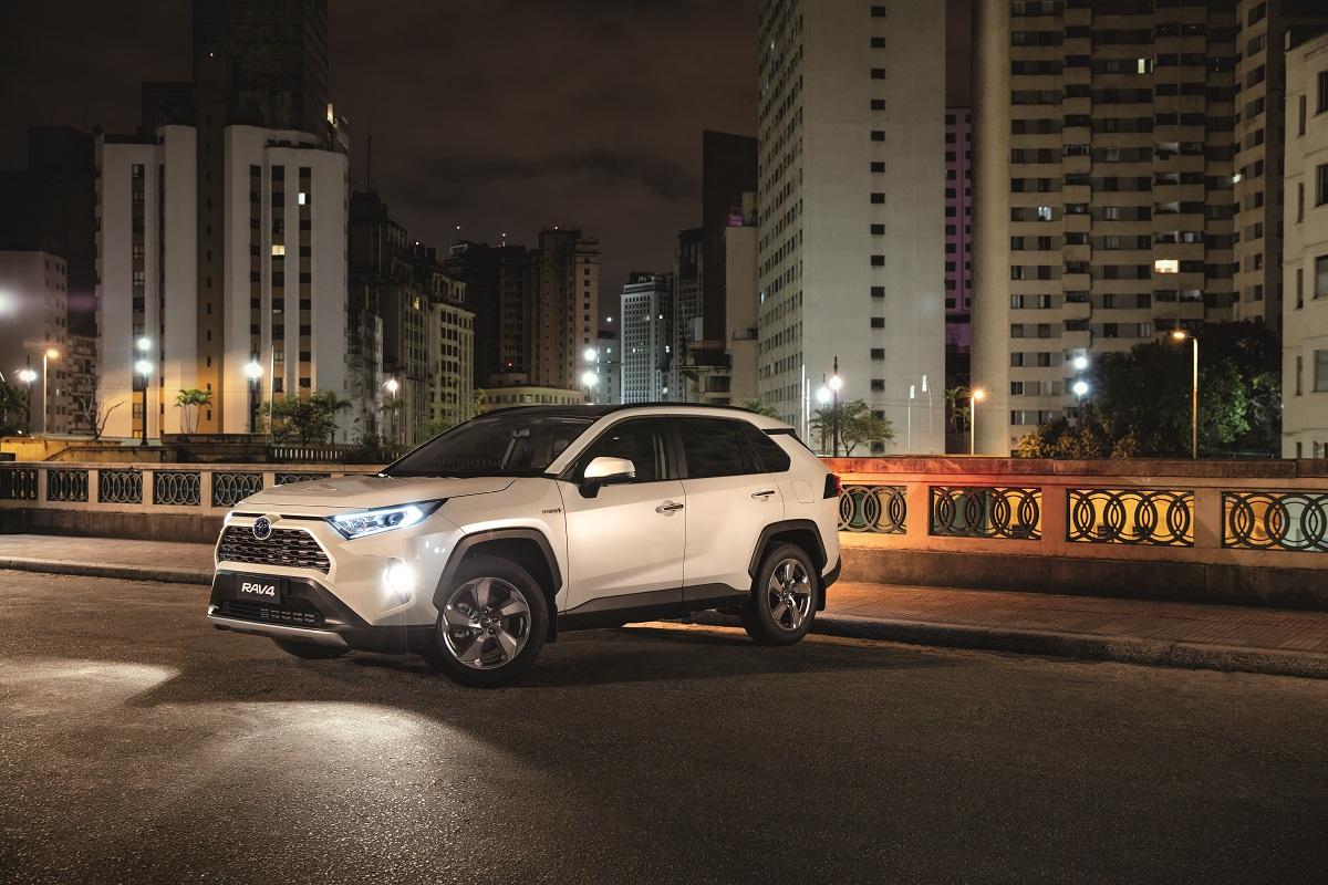 Toyota RAV4 Hybrid tem design focado mais na esportividade