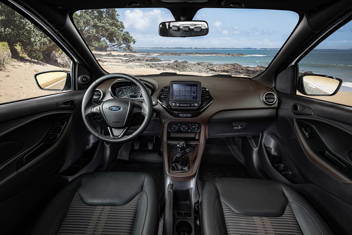 Ford Ka Freestyle interior conta com tonalidade exclusiva e central multimídia Sync 2.5