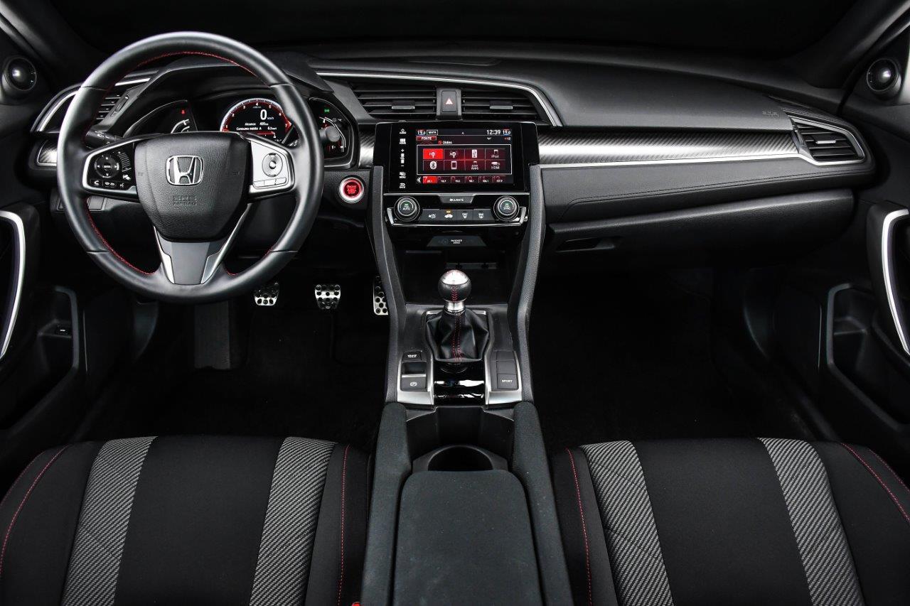 Comparativo: Honda Civic Si x Volkswagen Golf GTI