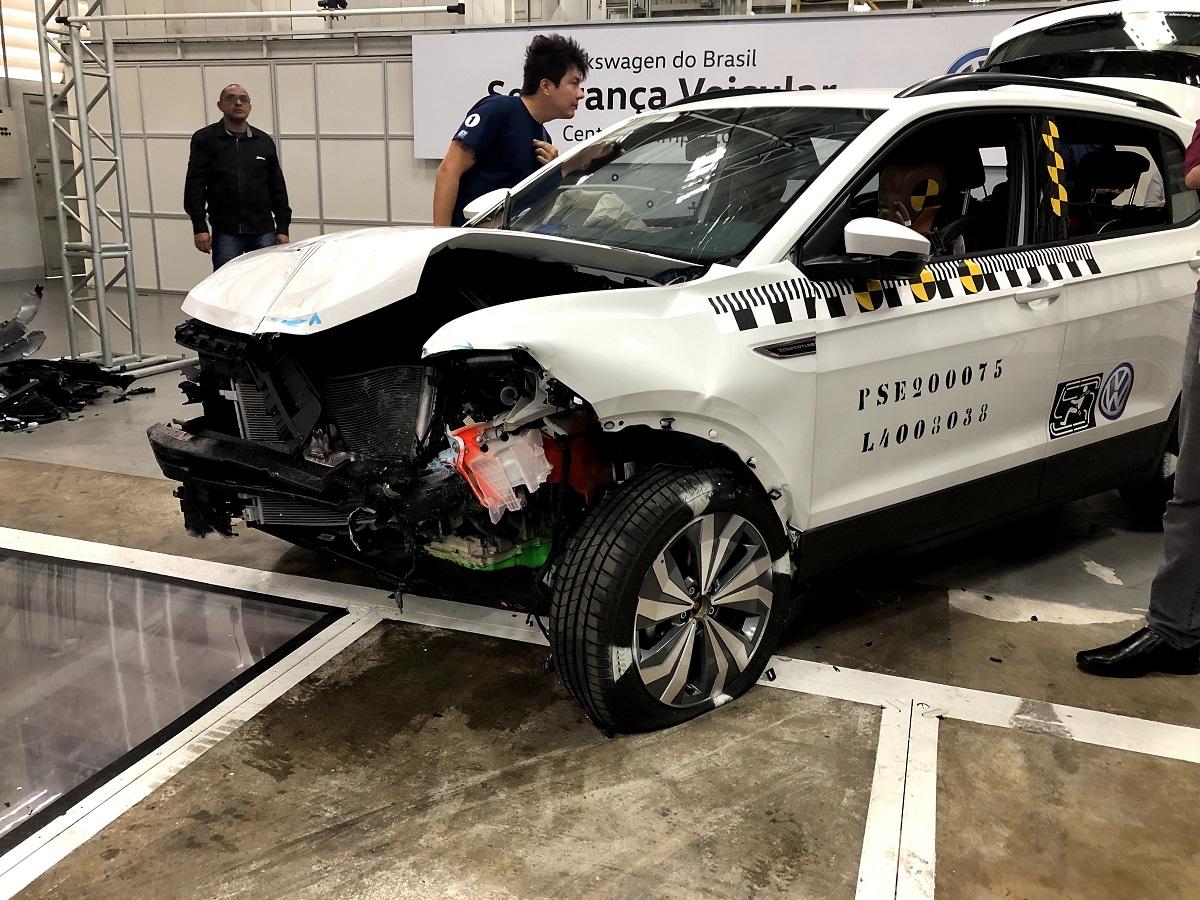 Carro após o teste de colisão na fábrica de São Bernardo do Campo, no ABC paulista