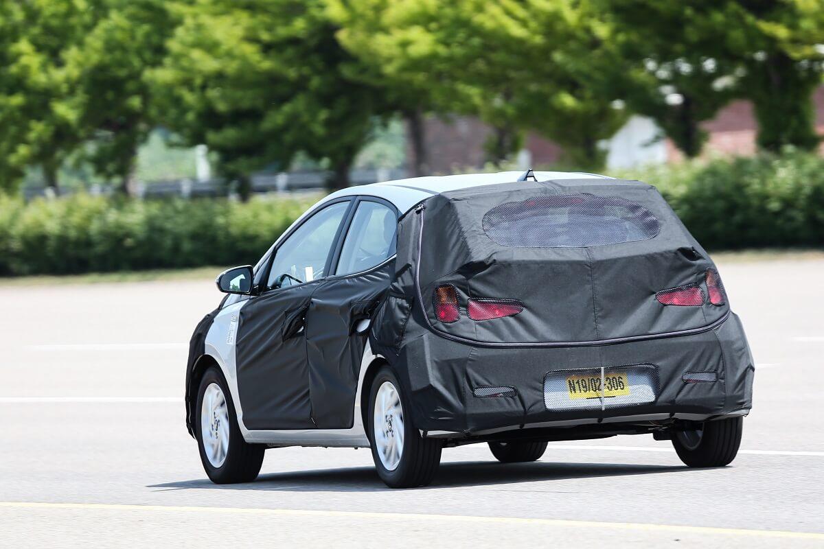 Novo Hyundai HB20 camuflado