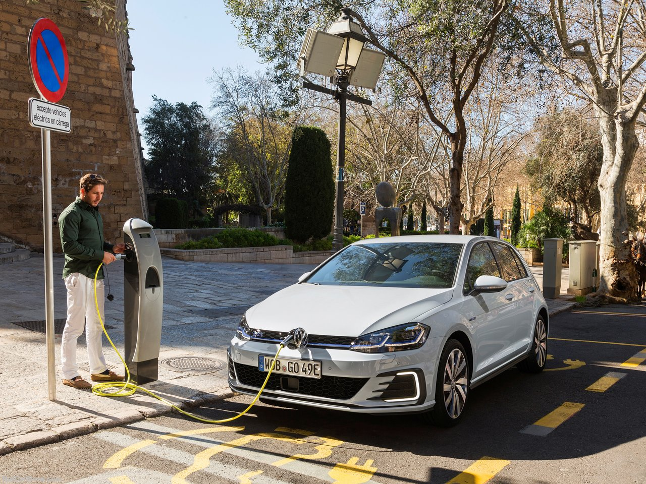 Volkswagen Golf Gte 2017 1280 06