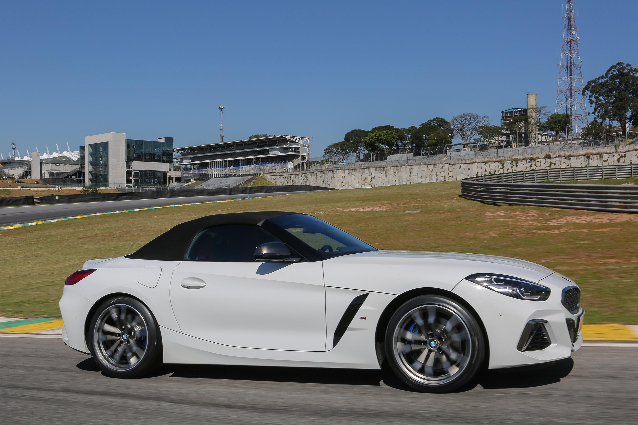 BMW Z4 na pista de Interlagos