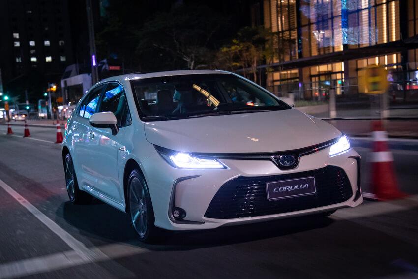 Toyota Corolla Híbrido 3